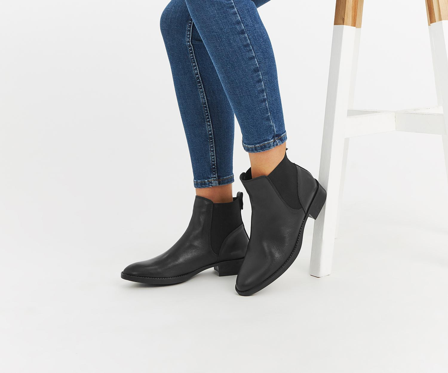 de5d5865362e Oasis Leather Chelsea Boot in Black - Lyst