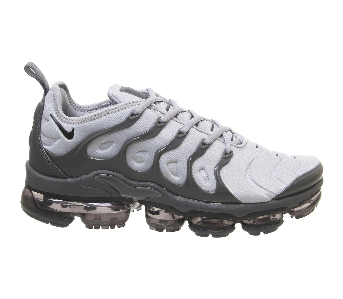 106f5cd67de84 Lyst - Nike Air Vapormax Plus Trainers in Gray for Men