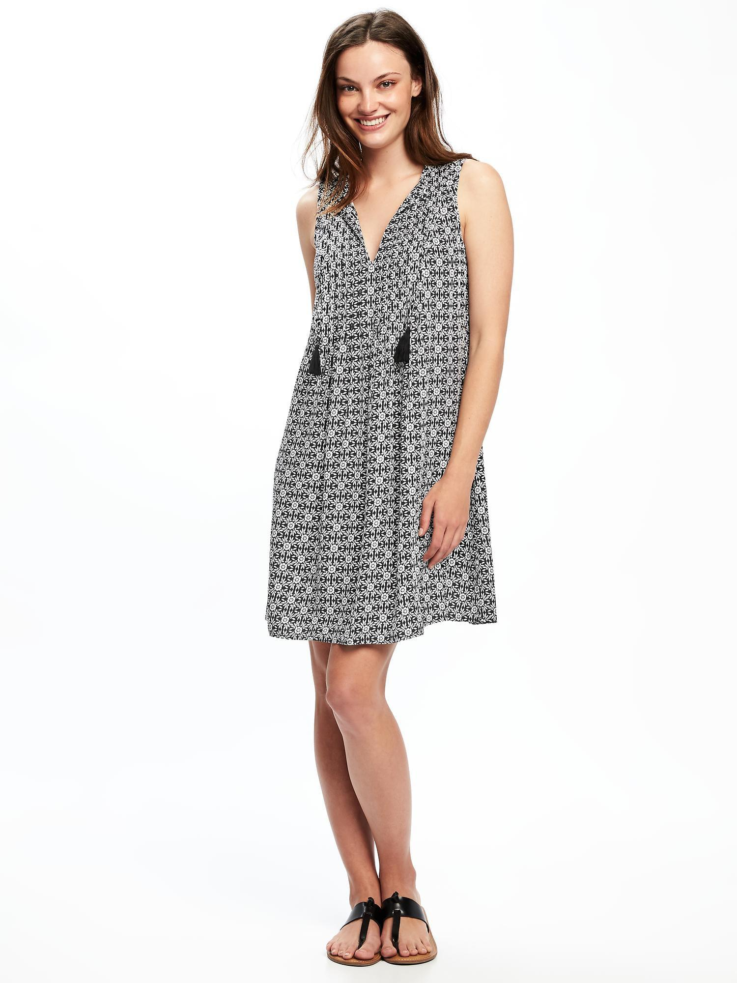 bd0ee5a8ff Gallery. Previously sold at  Old Navy · Women s Chevron Print Dresses ...