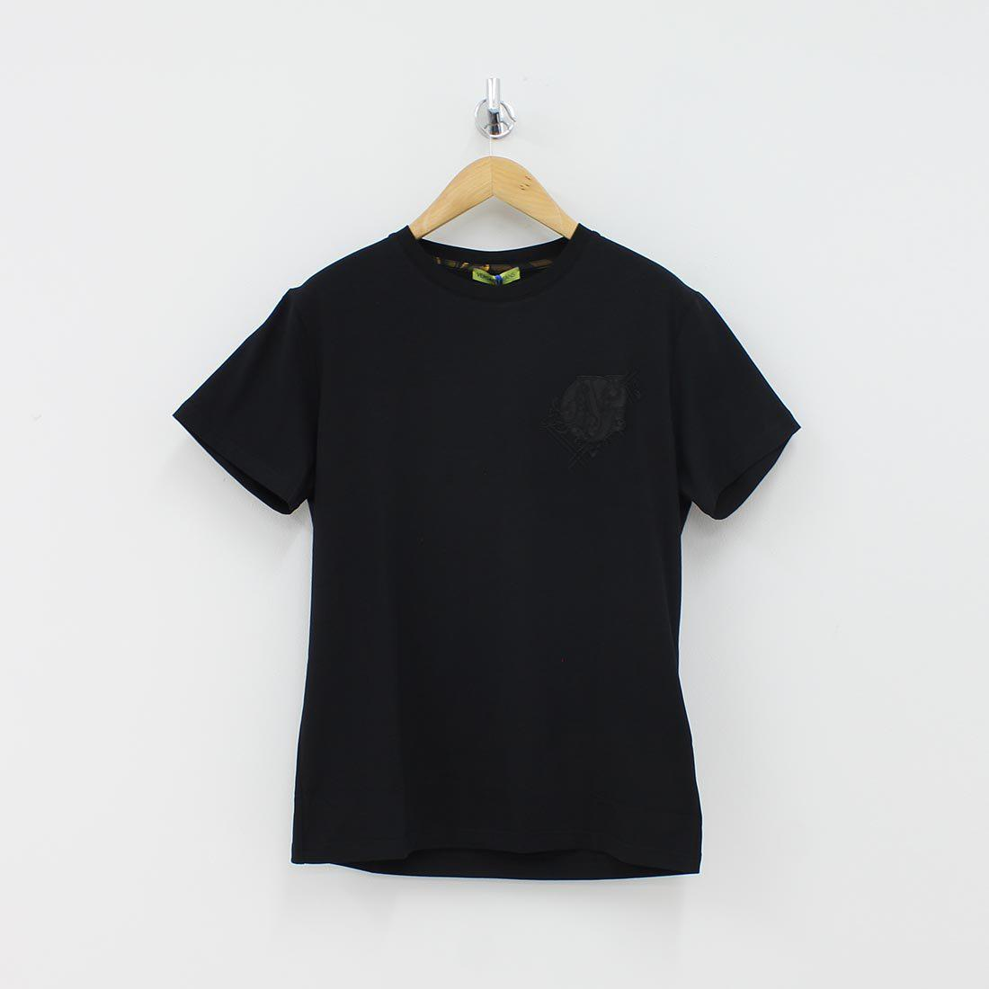 54da351a Versace Jeans Embroidered Patch T-shirt Black in Black for Men - Lyst