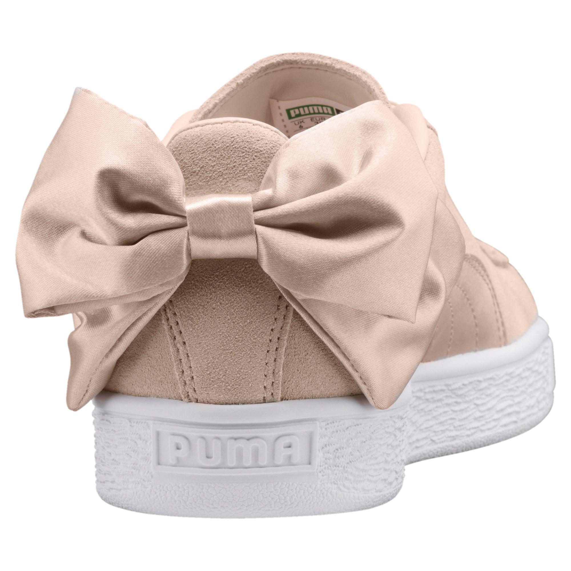 013b556cbe6 Lyst - PUMA Suede Bow Valentine Women s Sneakers