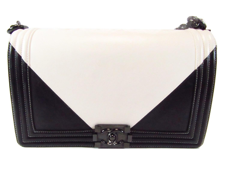 1d08159b4715 Chanel Le Boy Chain Shoulder Bag Black White Leather A92193 in Black ...