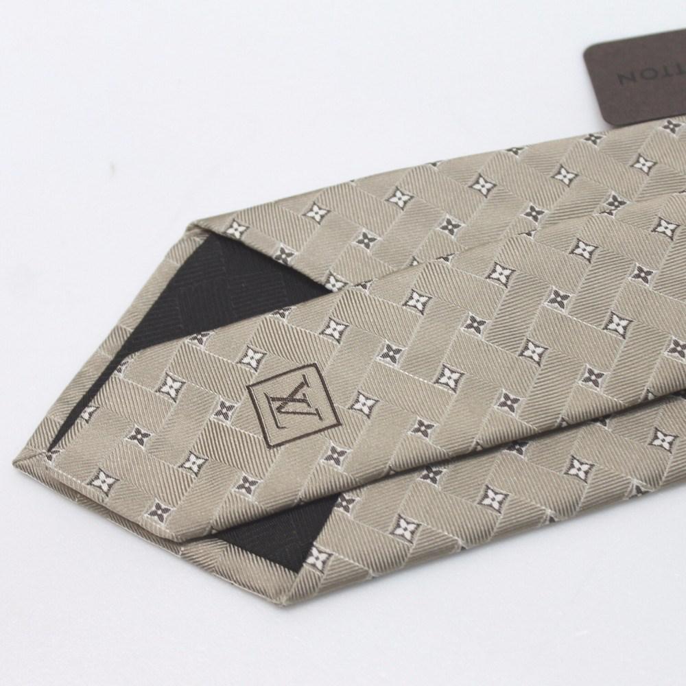 e0b71ef8718f Lyst - Louis Vuitton Unused! Cravatt - Monogram Flower Necktie Gold ...