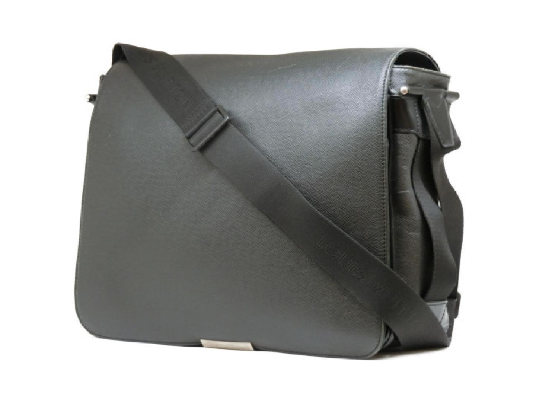 841cfbf8eaf2 Lyst - Louis Vuitton Auth Victor Shoulder Bag M30142 Taiga Leather ...