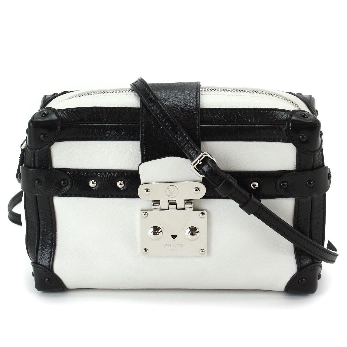 a93e0538cf4a Gallery. Previously sold at  Reebonz · Women s Box Bags Women s Louis  Vuitton Petite Malle