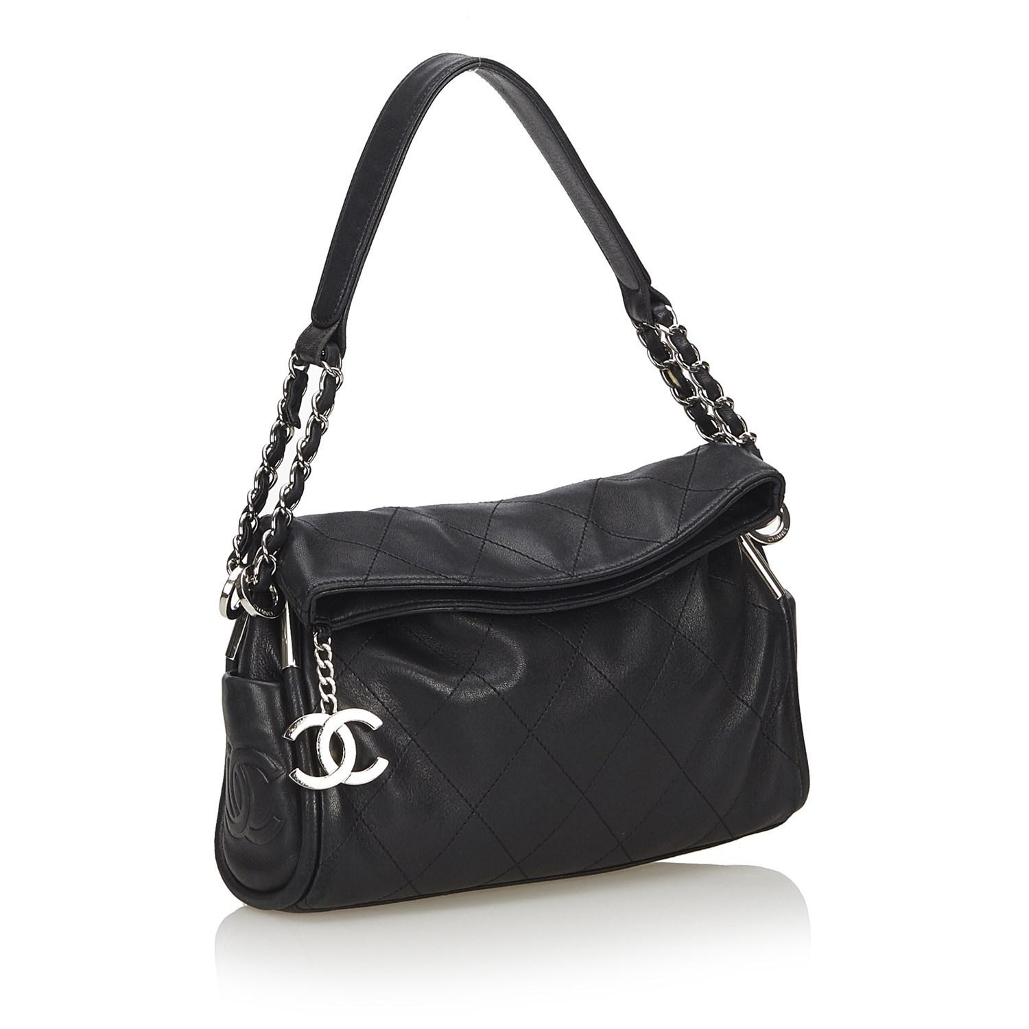 Lyst - Chanel Matelasse Lambskin Shoulder Bag in Black e7a15b17f8