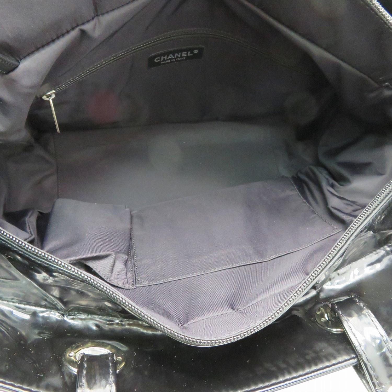 8ce61d4330fc55 Chanel Matelasse Cc Tote Bag Shopper Patent Leather Black 3372 in Black -  Lyst