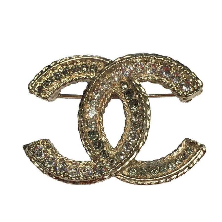 Lyst - Chanel Broche Cc En Strass Et Metal Dore in Metallic 012cd51d836