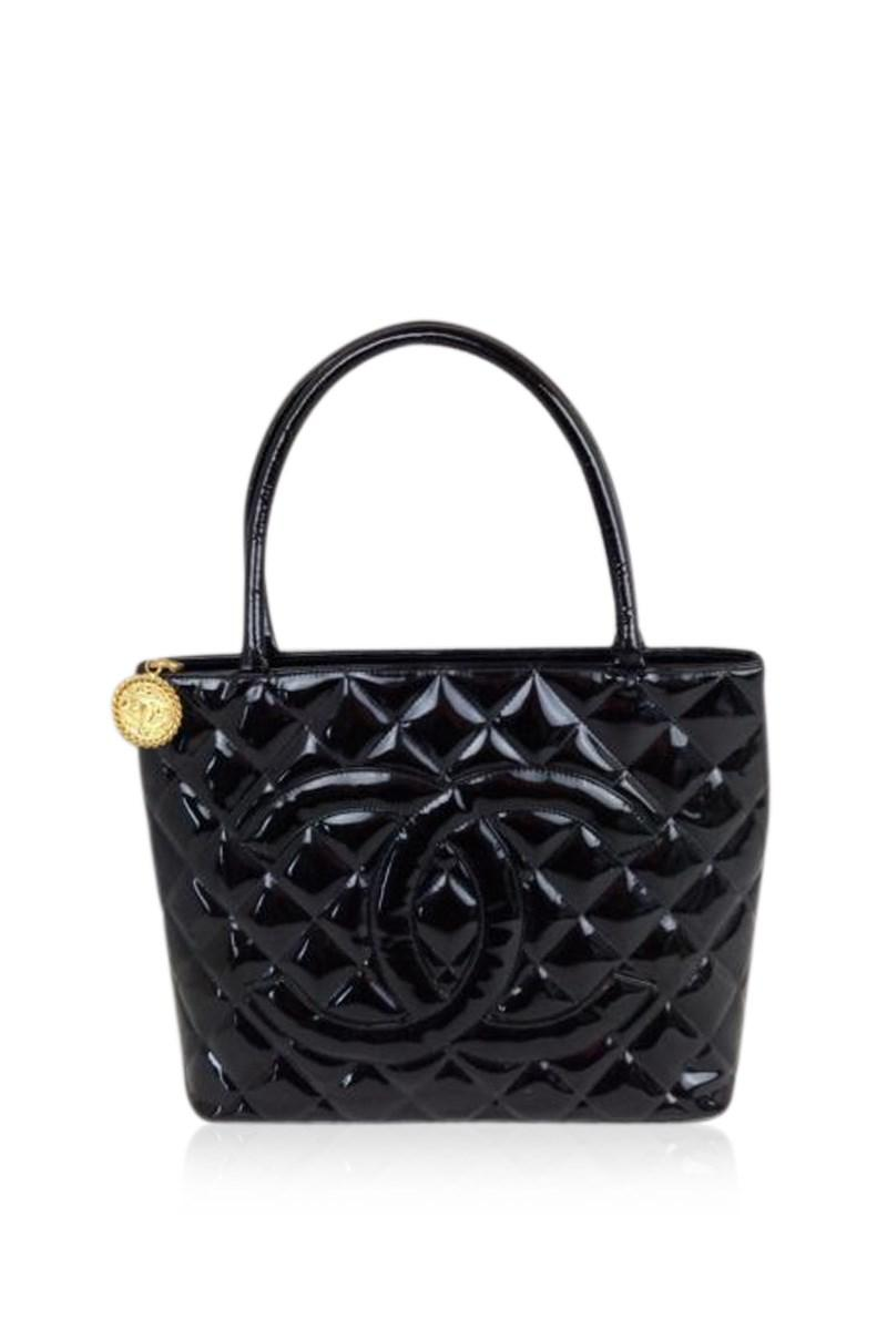 539e8afc5c74 Lyst - Chanel Matelasse Patent Toilette Shoulder Tote Bag Black ...