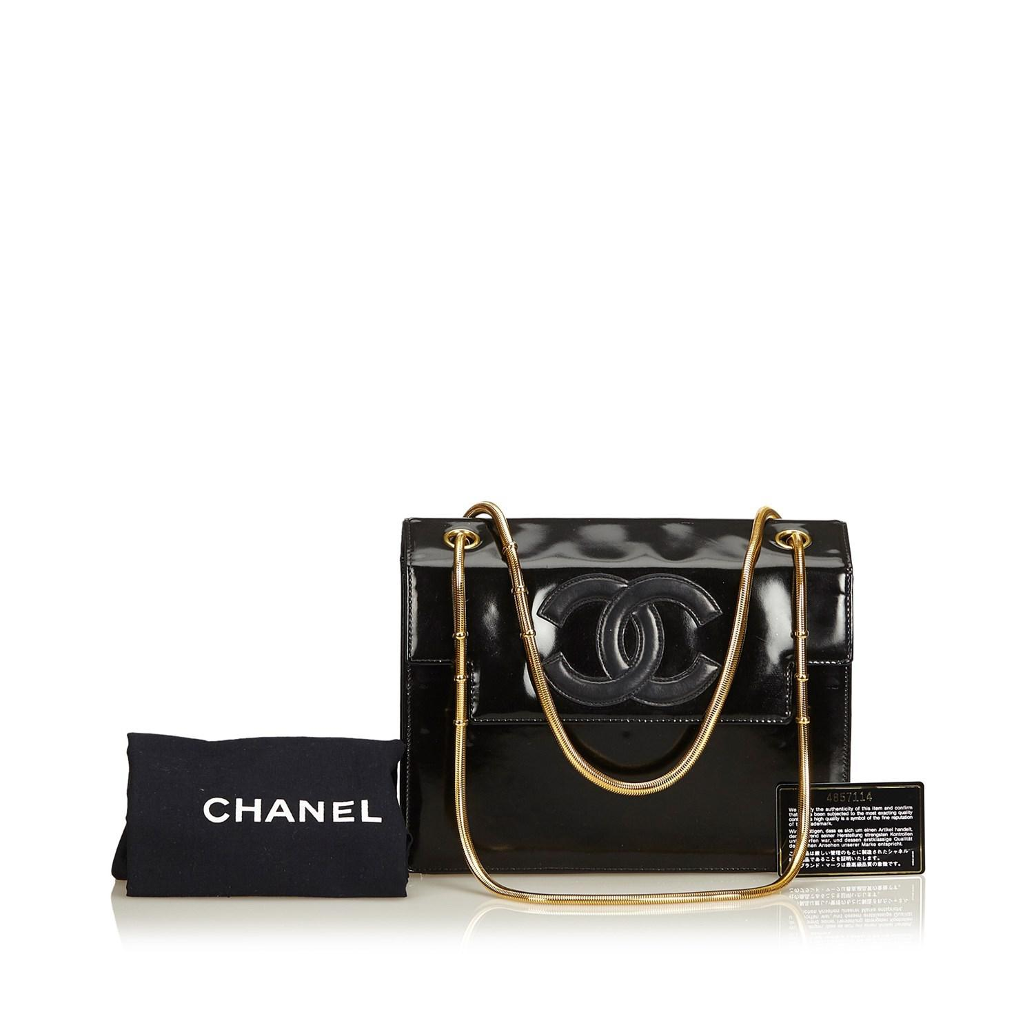 Lyst - Chanel Snake Chain Patent Leather Shoulder Bag in Black 52753aebd084b