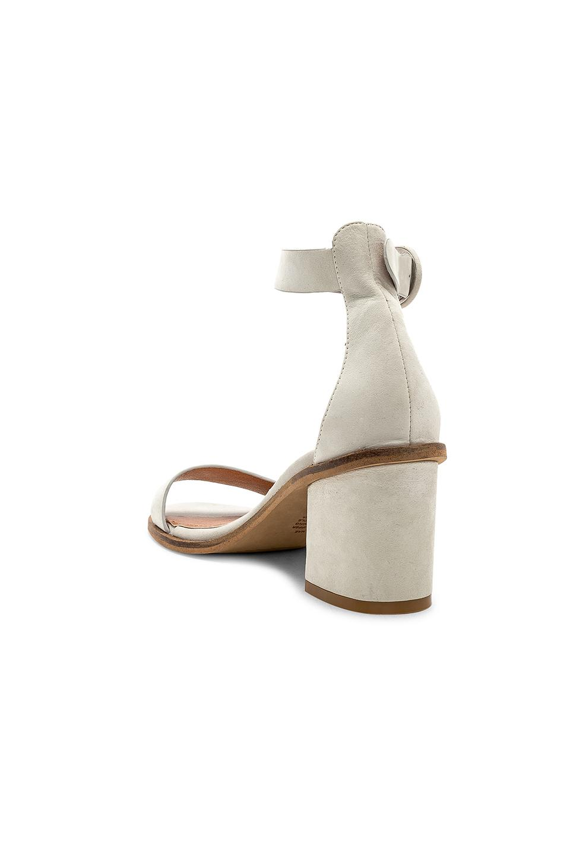 677cfebe380b Alias Mae Gift Sandal in Gray - Lyst