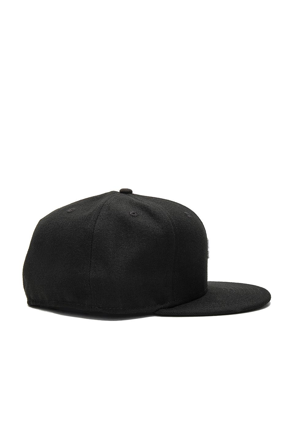 Lyst - Undefeated Small 5 Strike Ne Cap in Black for Men a08b71614875