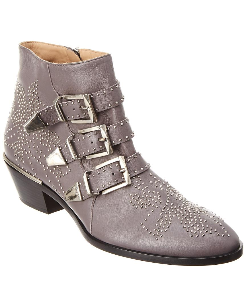9f52d3dff797 Chloé Susanna Studded Leather Ankle Boot in Gray - Lyst