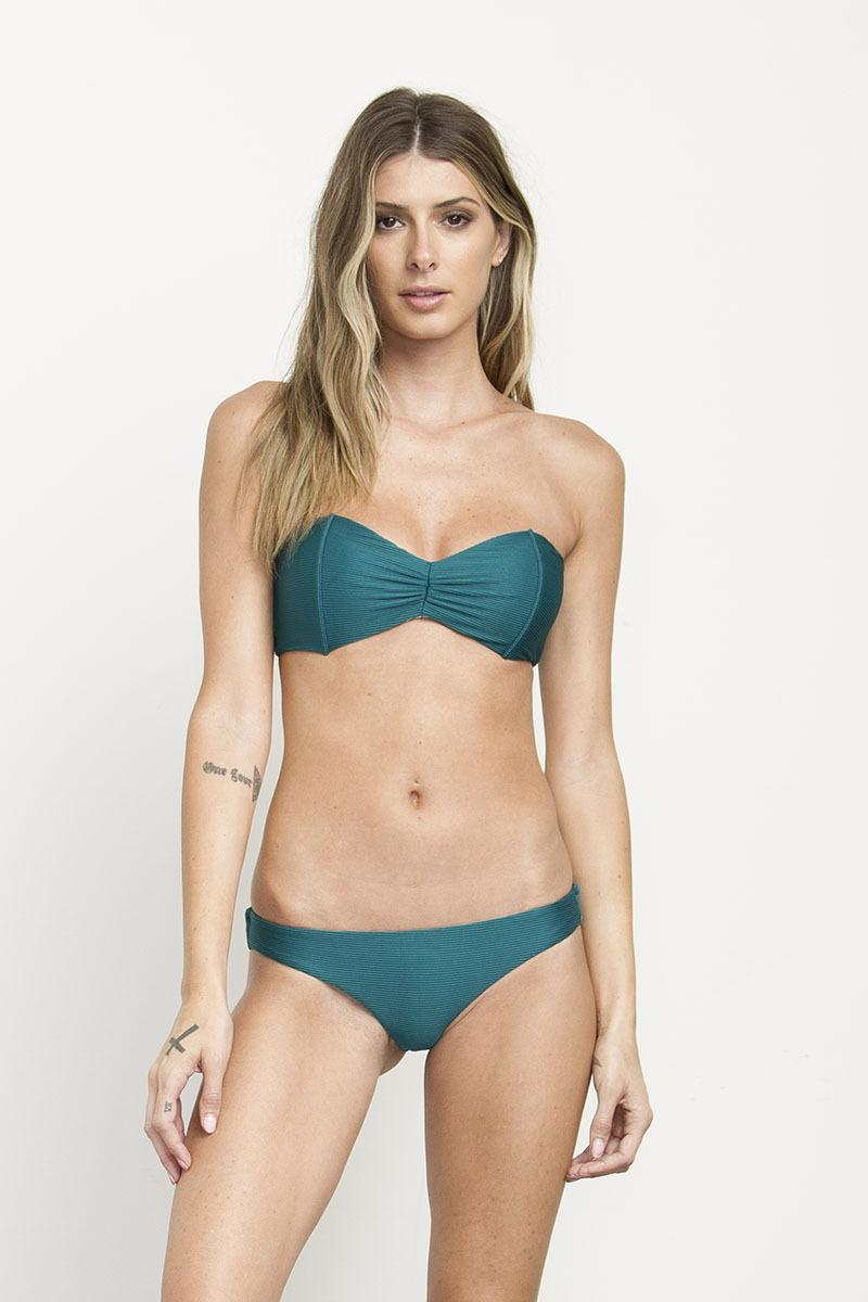 1190b9cb777 Gallery. Previously sold at  RVCA · Women s Bandeau Tops