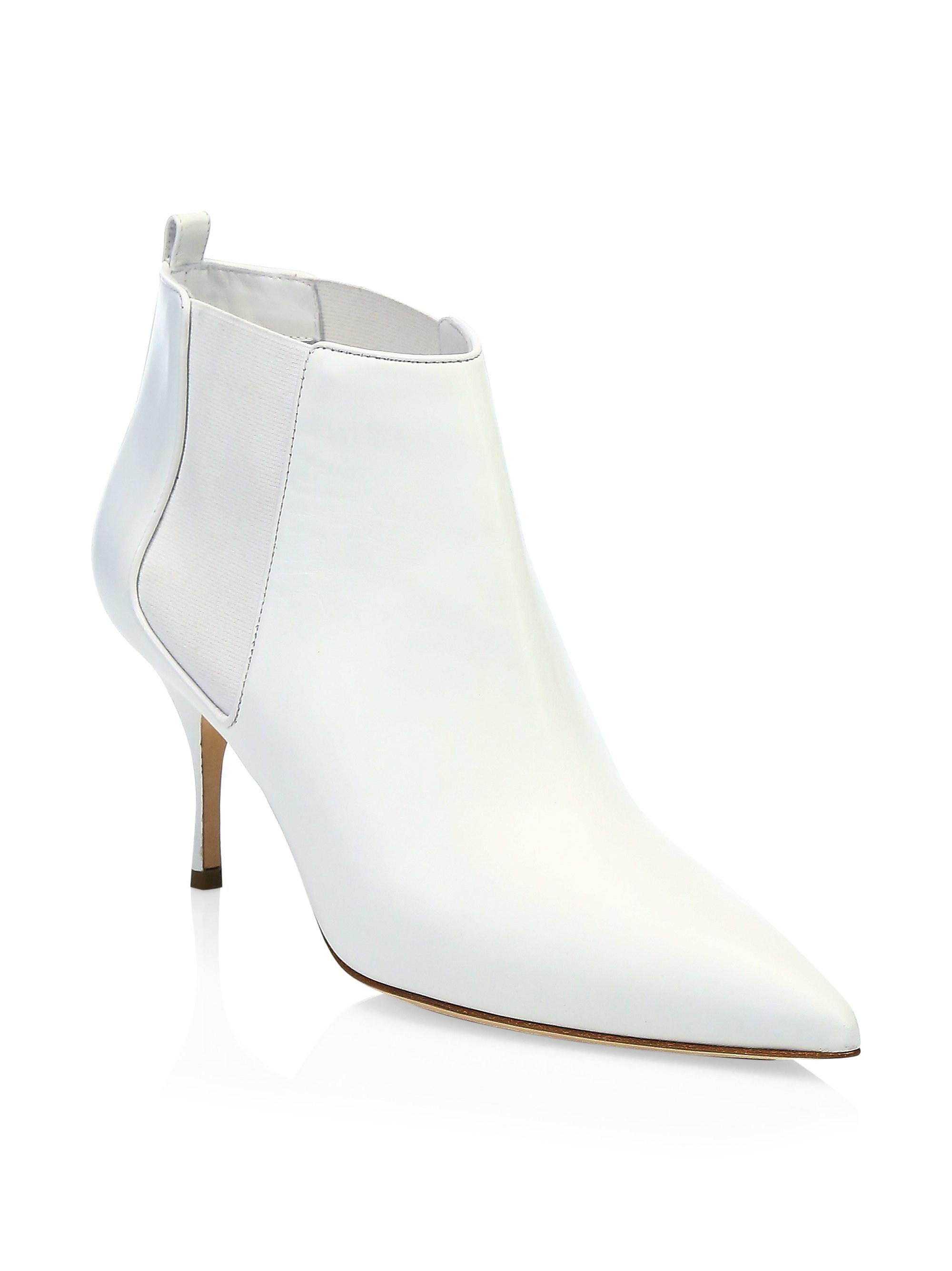 07aac7676a9e0 Manolo Blahnik Dildi 70mm Leather Booties in White - Lyst