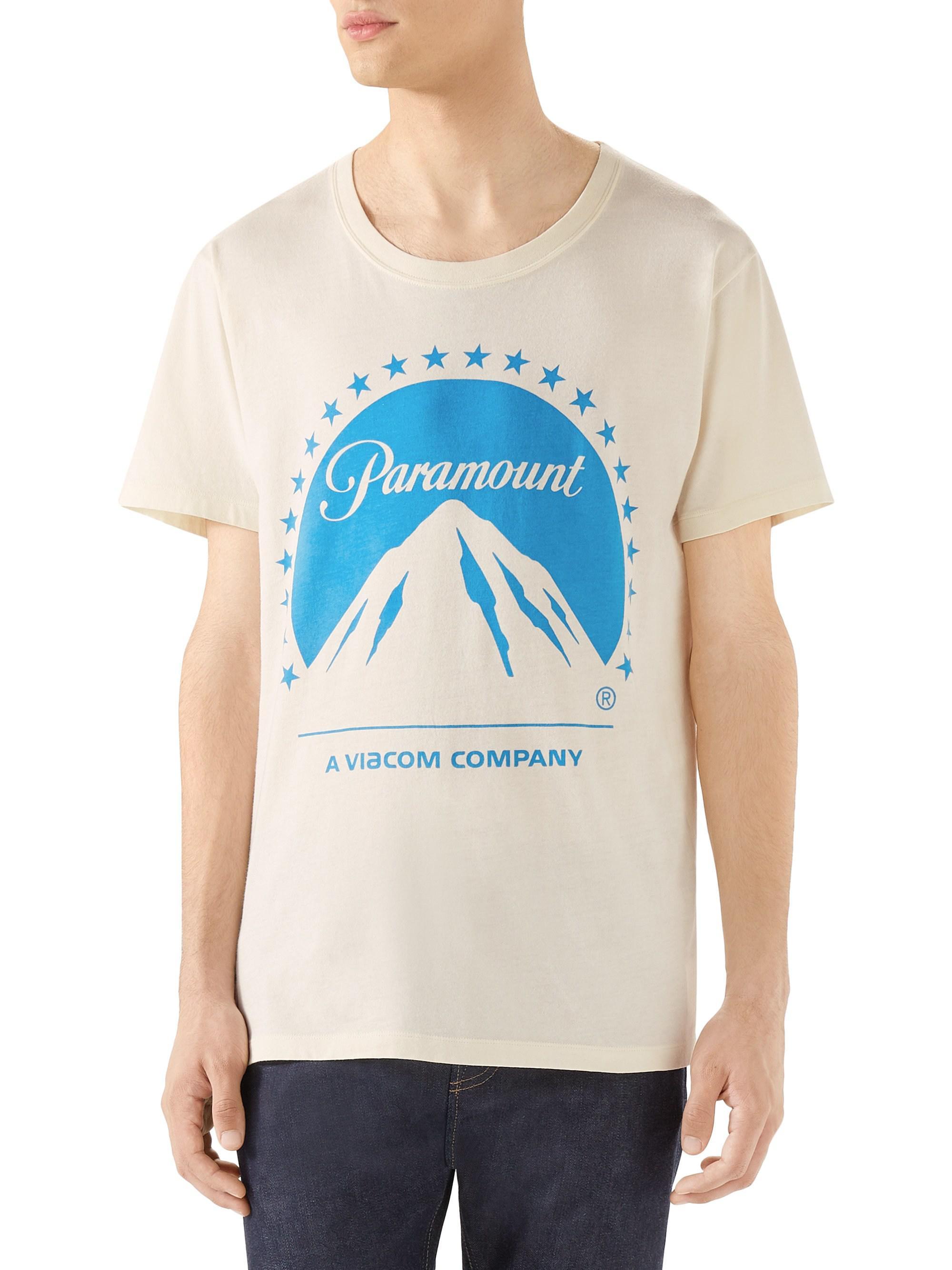 9fb4b748 Gucci Paramount Logo Print Tee for Men - Lyst