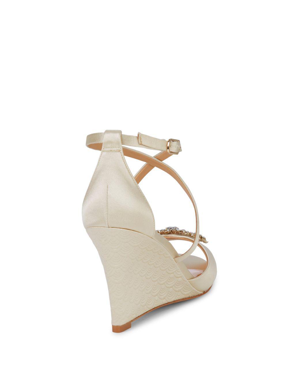 58a171500f1 Badgley Mischka Abigail Evening Sandals in White - Save 42.35668789808917%  - Lyst