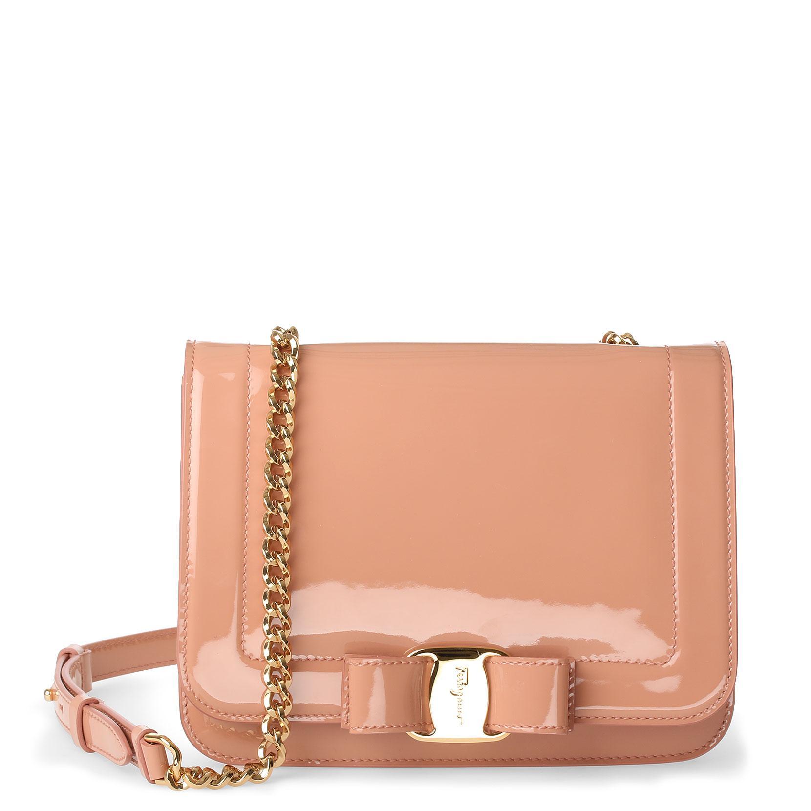 Salvatore Ferragamo Vara nude patent leather shoudler bag y5boDNGuVL