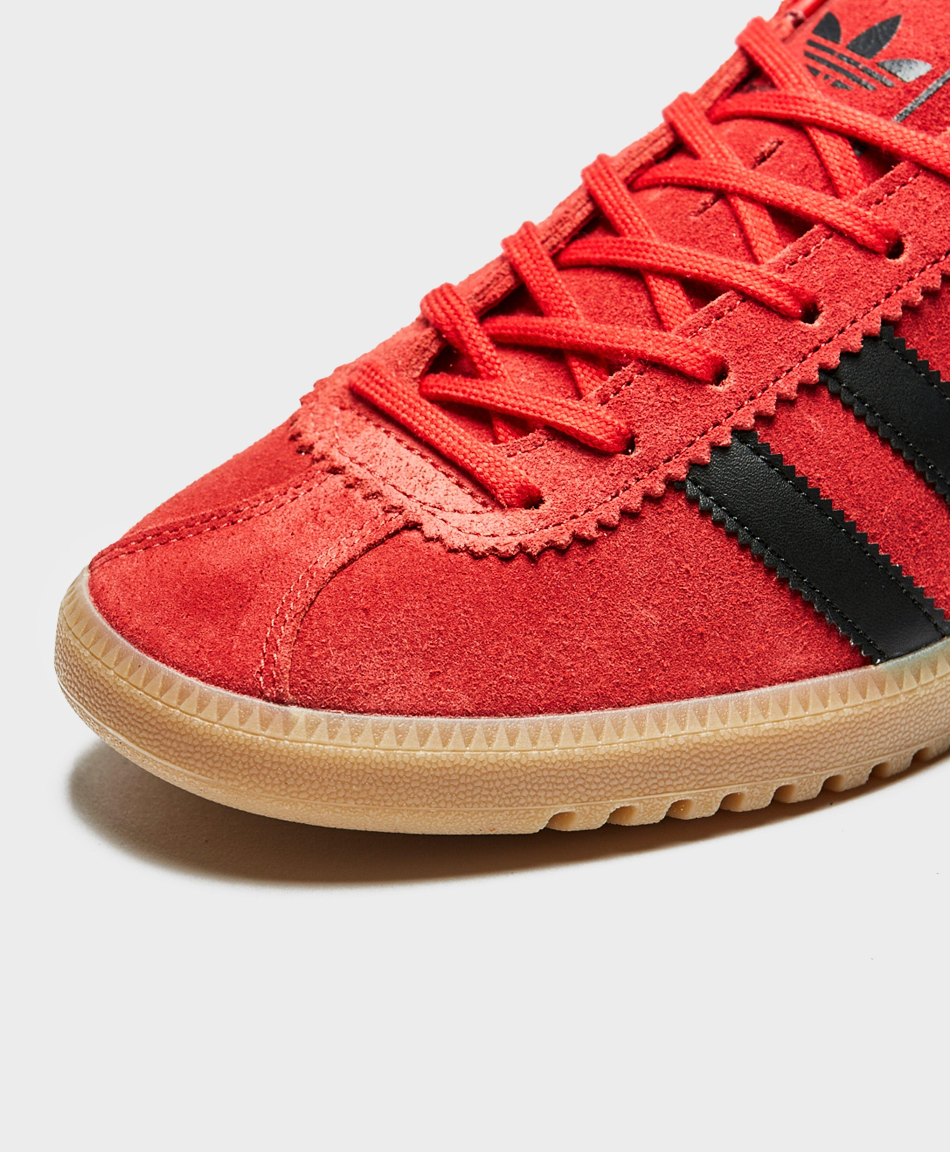 0a3bea758a8 Lyst - adidas Originals Bermuda Scarlet Red   Black Trainers in Red ...