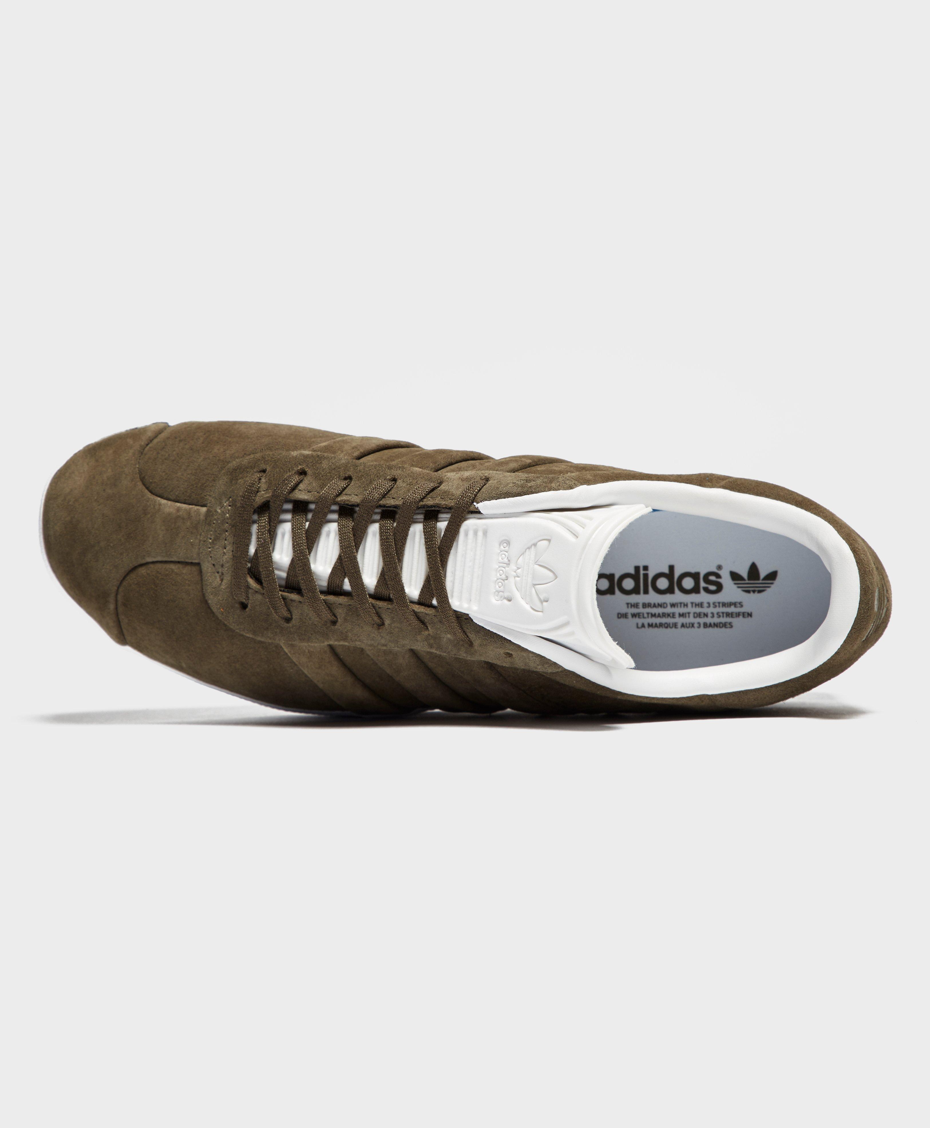 d8d88cfcef56b2 Gallery. Previously sold at  scotts · Men s Adidas Gazelle ...