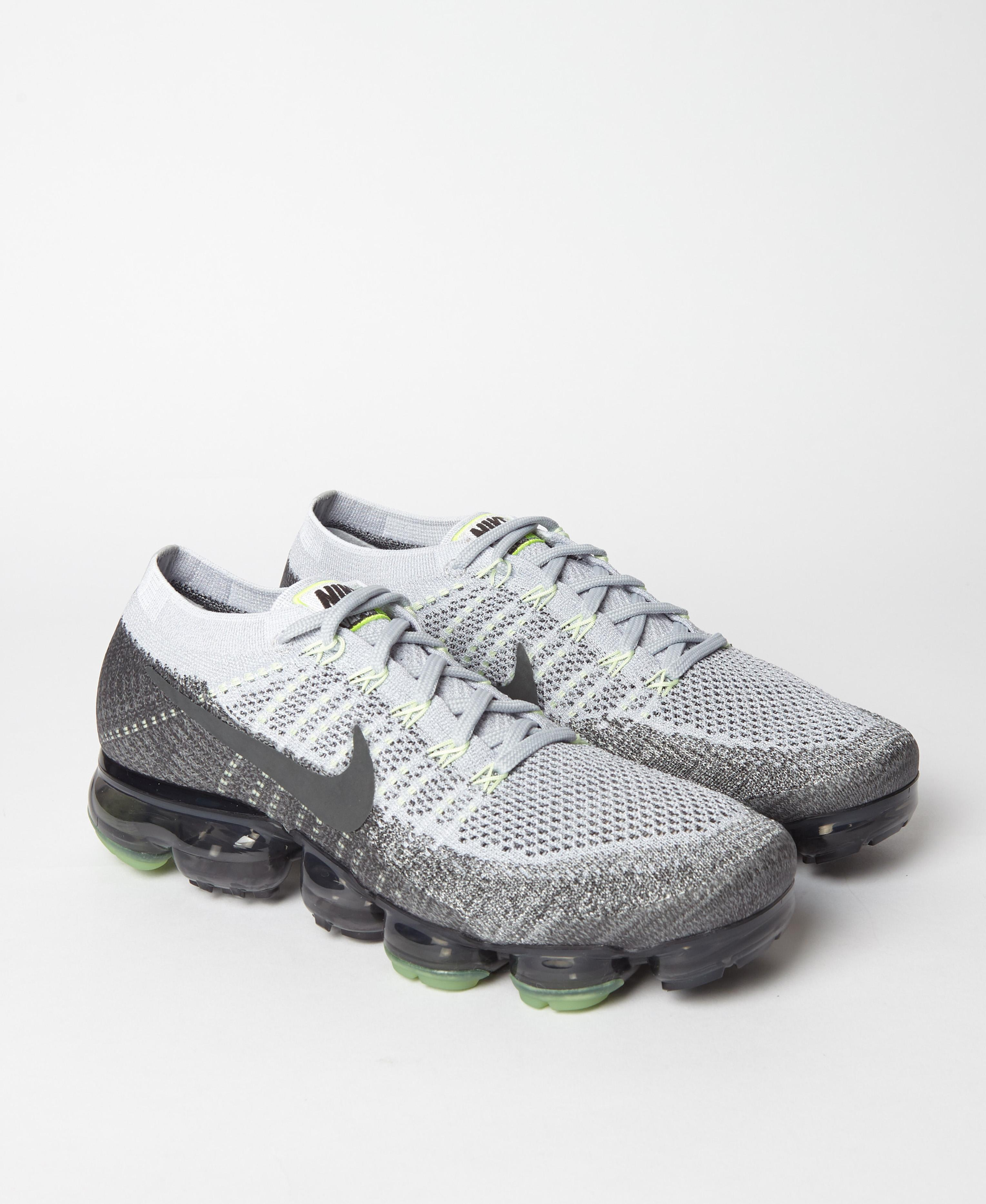 34b5e1af17 Nike Air Vapormax Flyknit Heritage Pack Neon in Gray for Men - Lyst