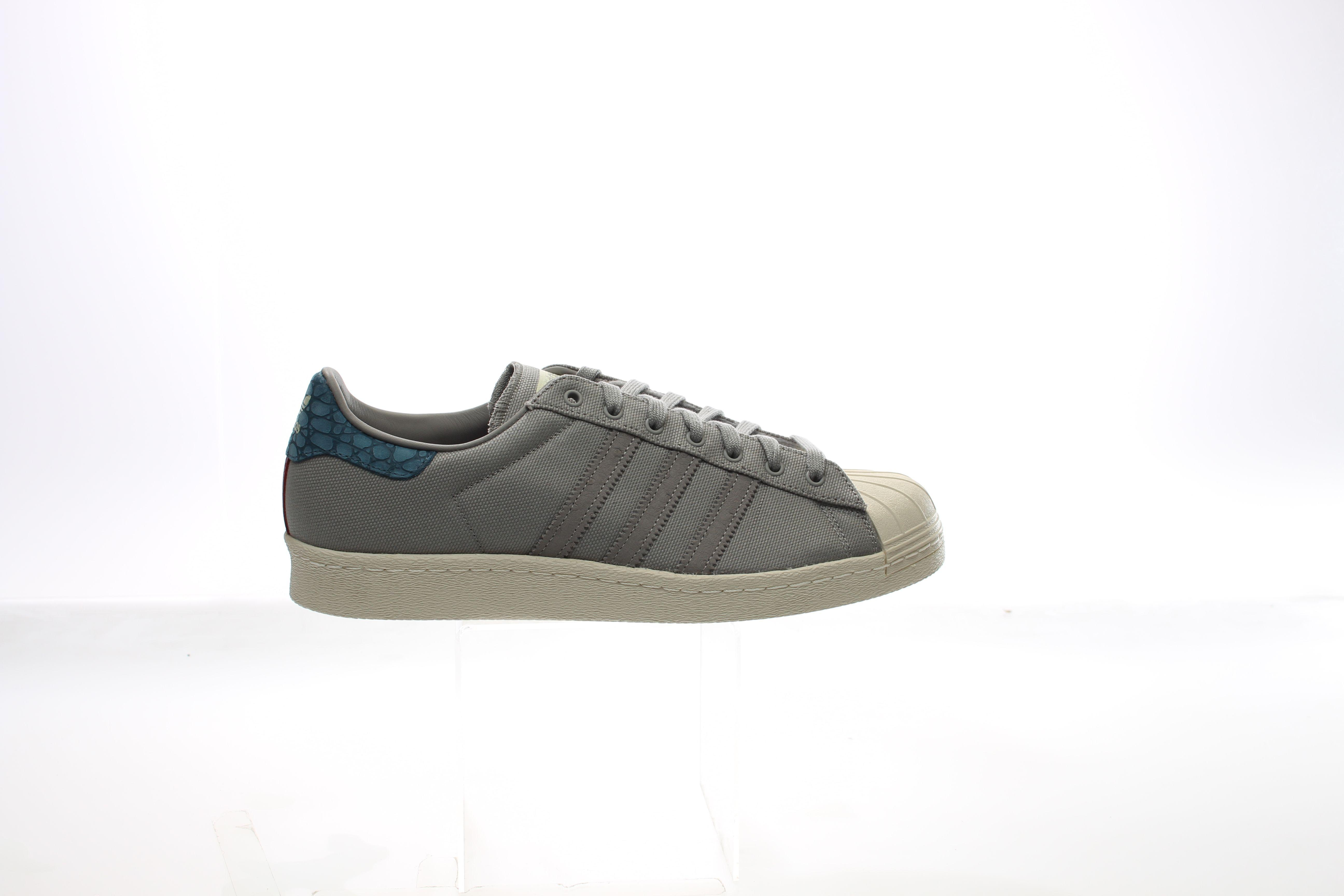 pretty nice 0ec94 4f953 Gallery. Previously sold at SHOEBACCA · Mens Adidas Superstar ...