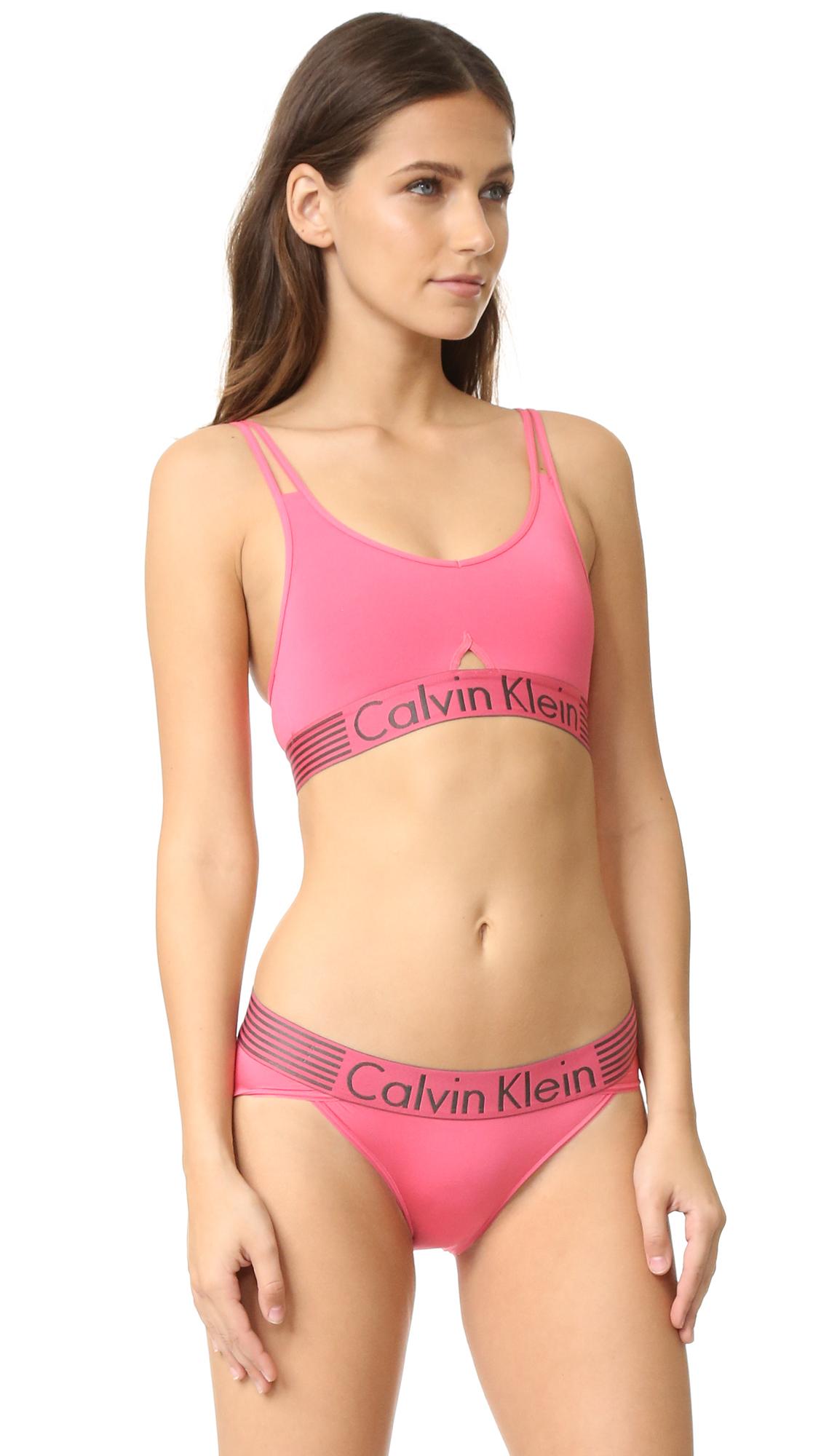 1050218729 Calvin Klein Iron Strength Micro Bralette in Pink - Lyst