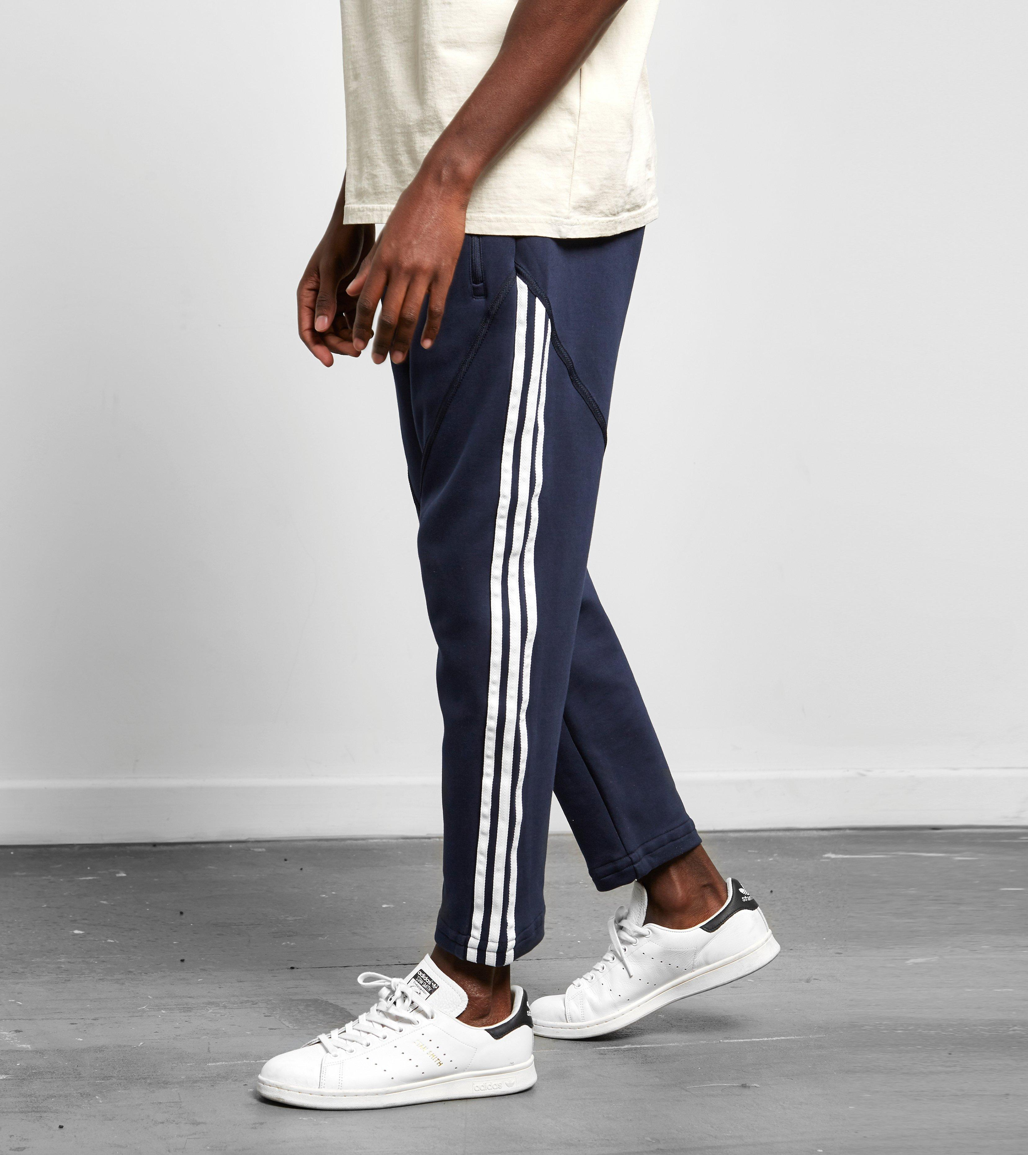 Adidas originali nmd pantaloncini blu per gli uomini lyst