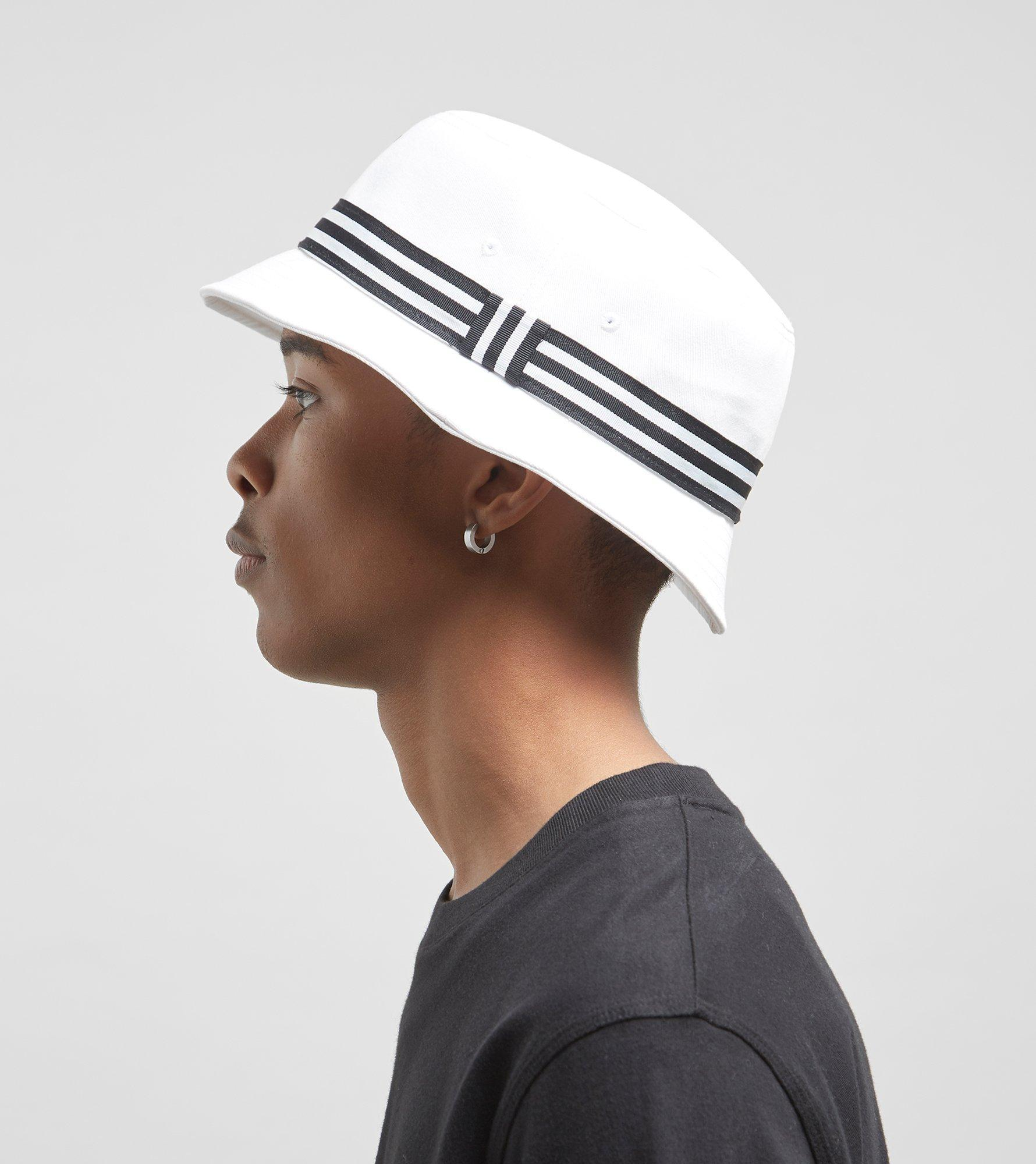 a74bf2a12d7 adidas Originals Trefoil Logo Bucket Hat in White for Men - Lyst