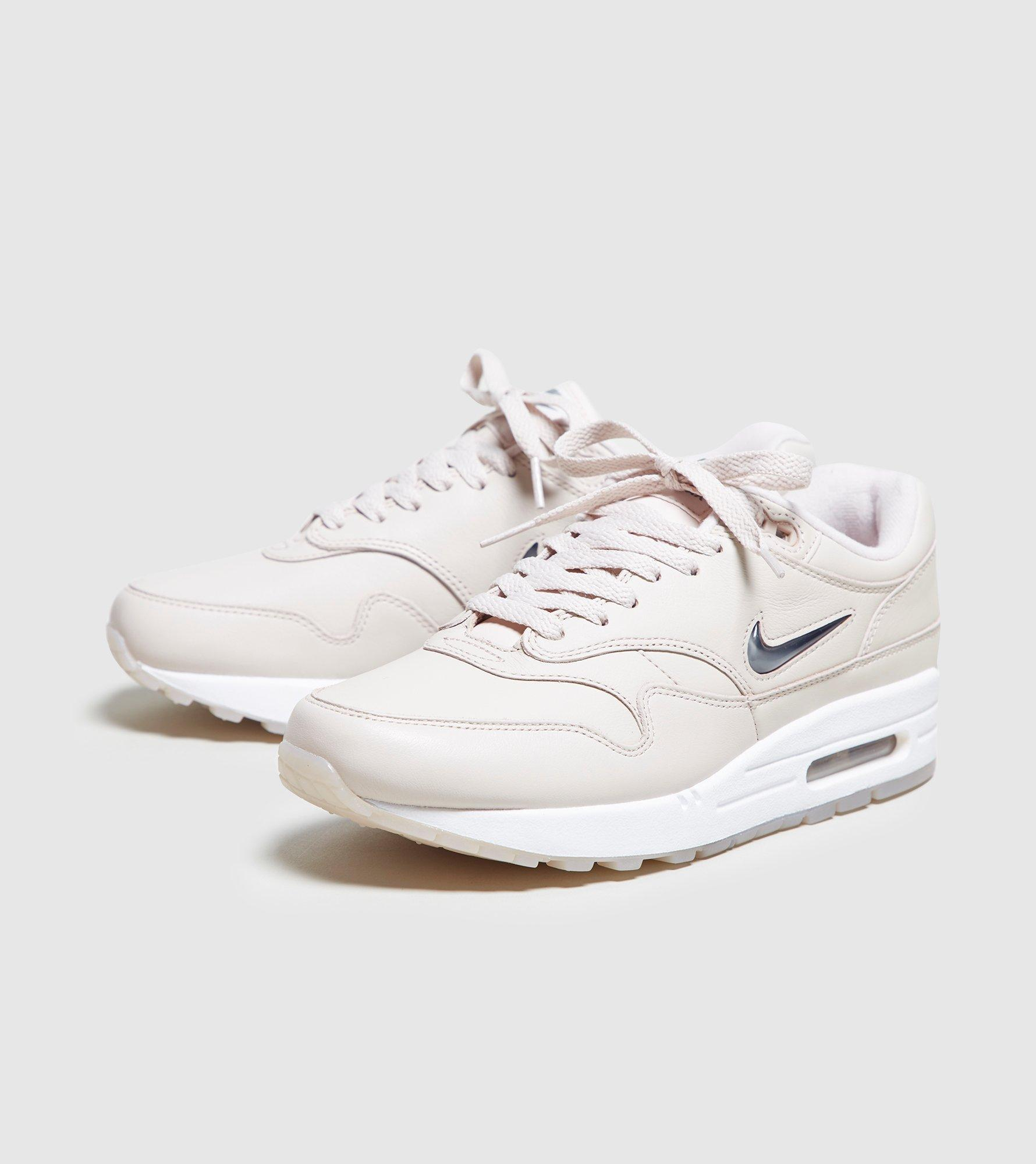 33ae43547c89 Gallery. Previously sold at  Size · Women s Nike Air Max ...