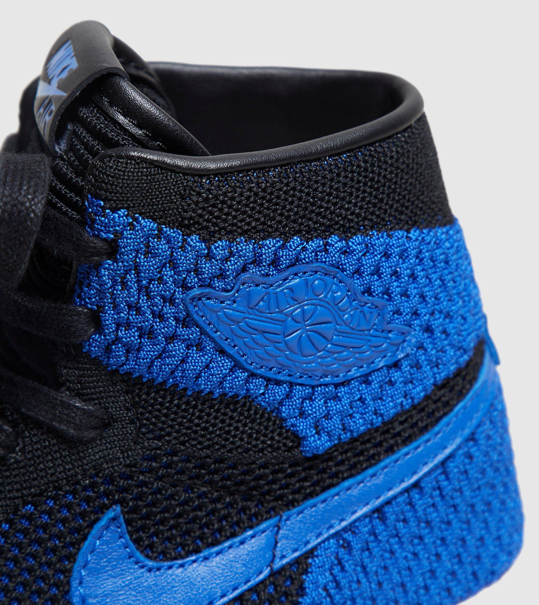 e90b5d5b9c11 Gallery. Previously sold at  Size · Women s Nike Flyknit Women s Nike Roshe One  Women s Leather Sneakers ...