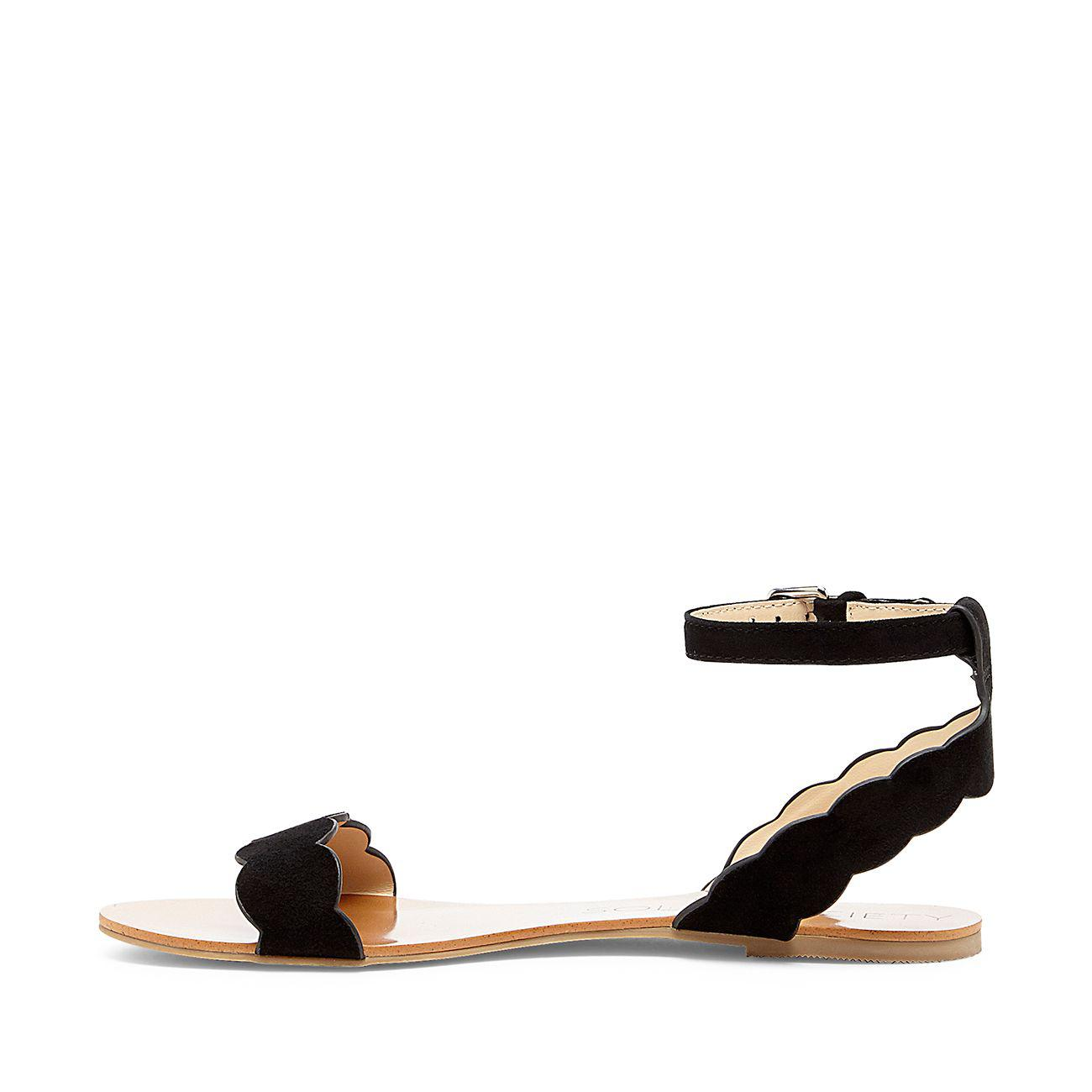 fe56445459a Lyst - Sole Society Odette Scalloped Flat Sandal in Black