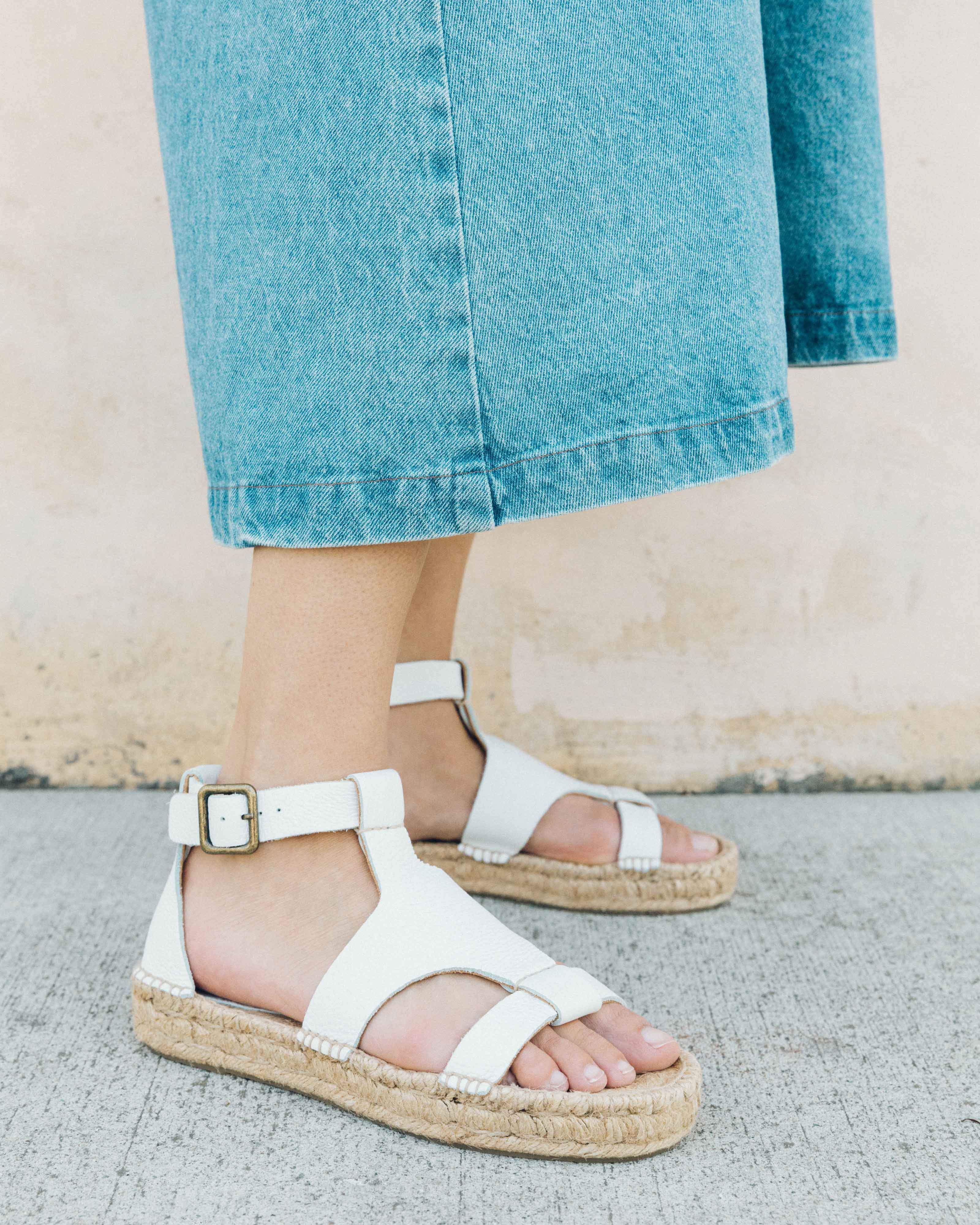 5cbbe381ea8 Lyst - Soludos Banded Shield Sandal in White