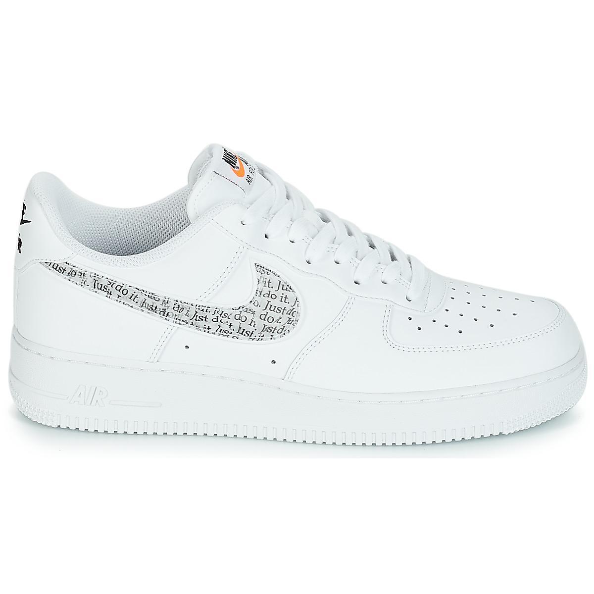 buy online 29747 04f23 Nike - White AIR FORCE 1  07 LV8 JUST DO IT hommes Chaussures en blanc.  Afficher en plein écran
