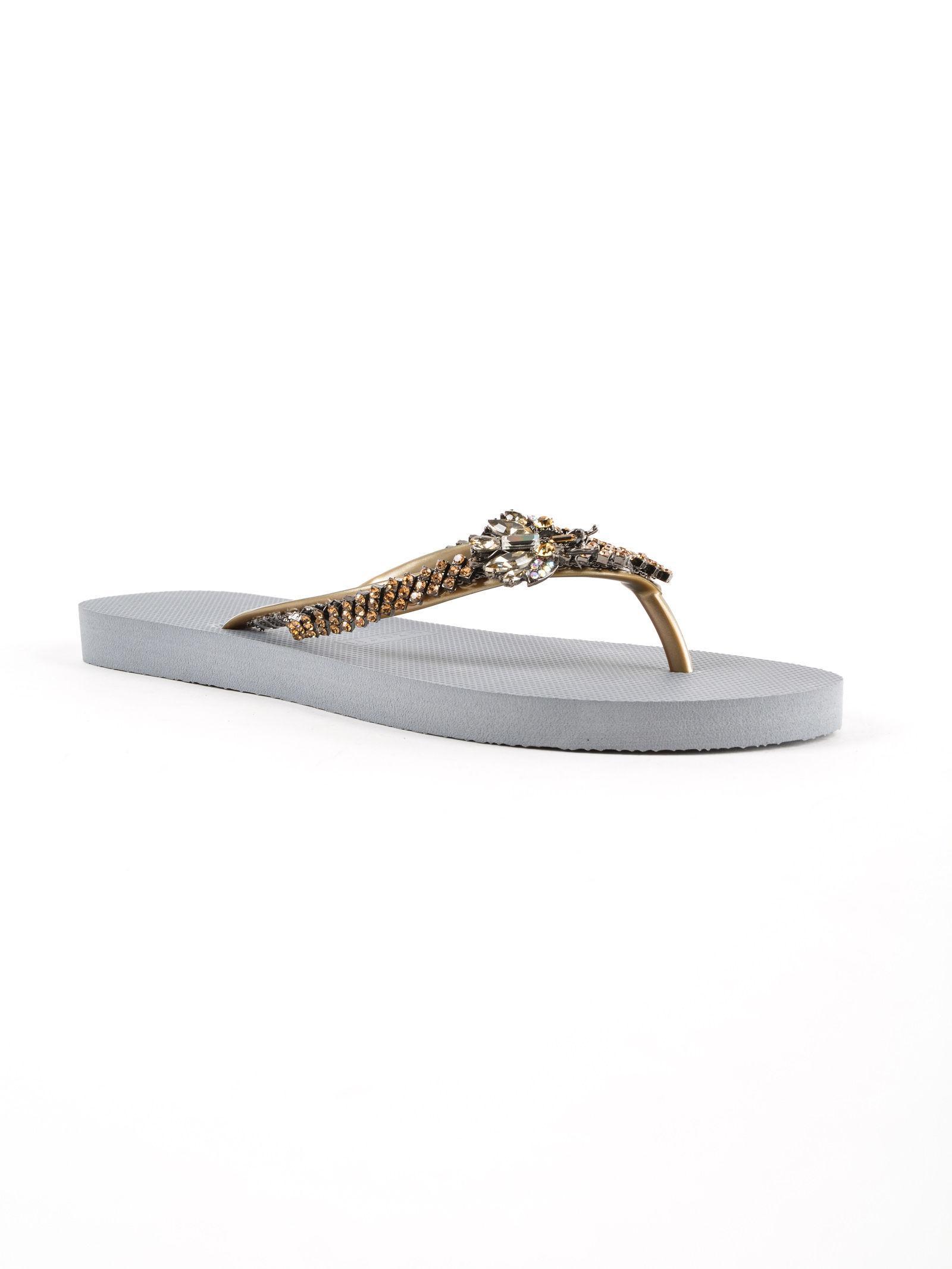 57a9d2c9316 Uzurii Flip Flops Gold Fly in Metallic - Save 1% - Lyst