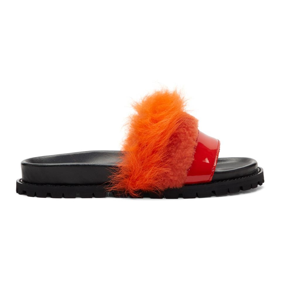 SACAI & Red Furry Slides Payer Avec La Vente De Visa En Ligne De Nouveaux Styles Parfait Sortie Jeu Site En Ligne Officiel Urz10j