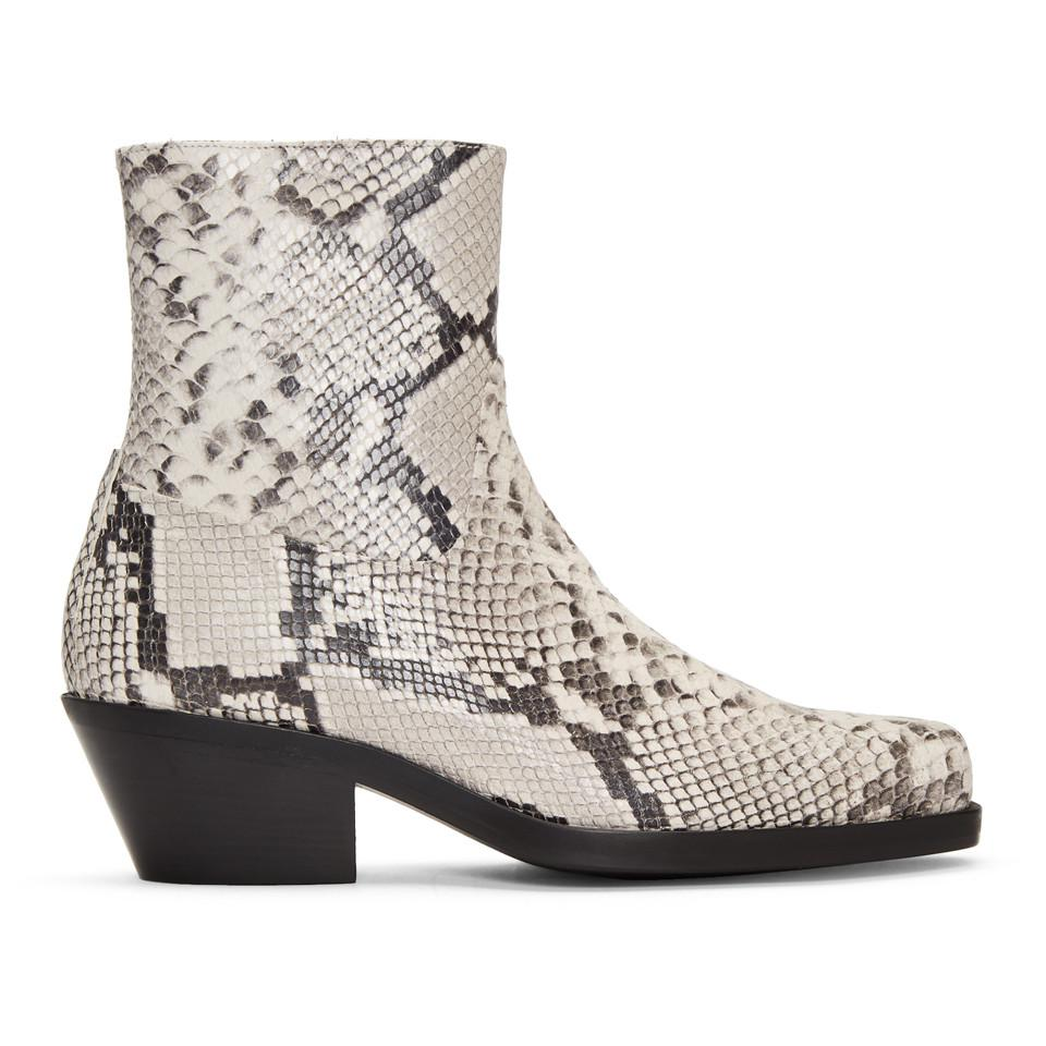 7a36c33caffea Gallery. Previously sold at  SSENSE · Women s Cowboy Boots ...