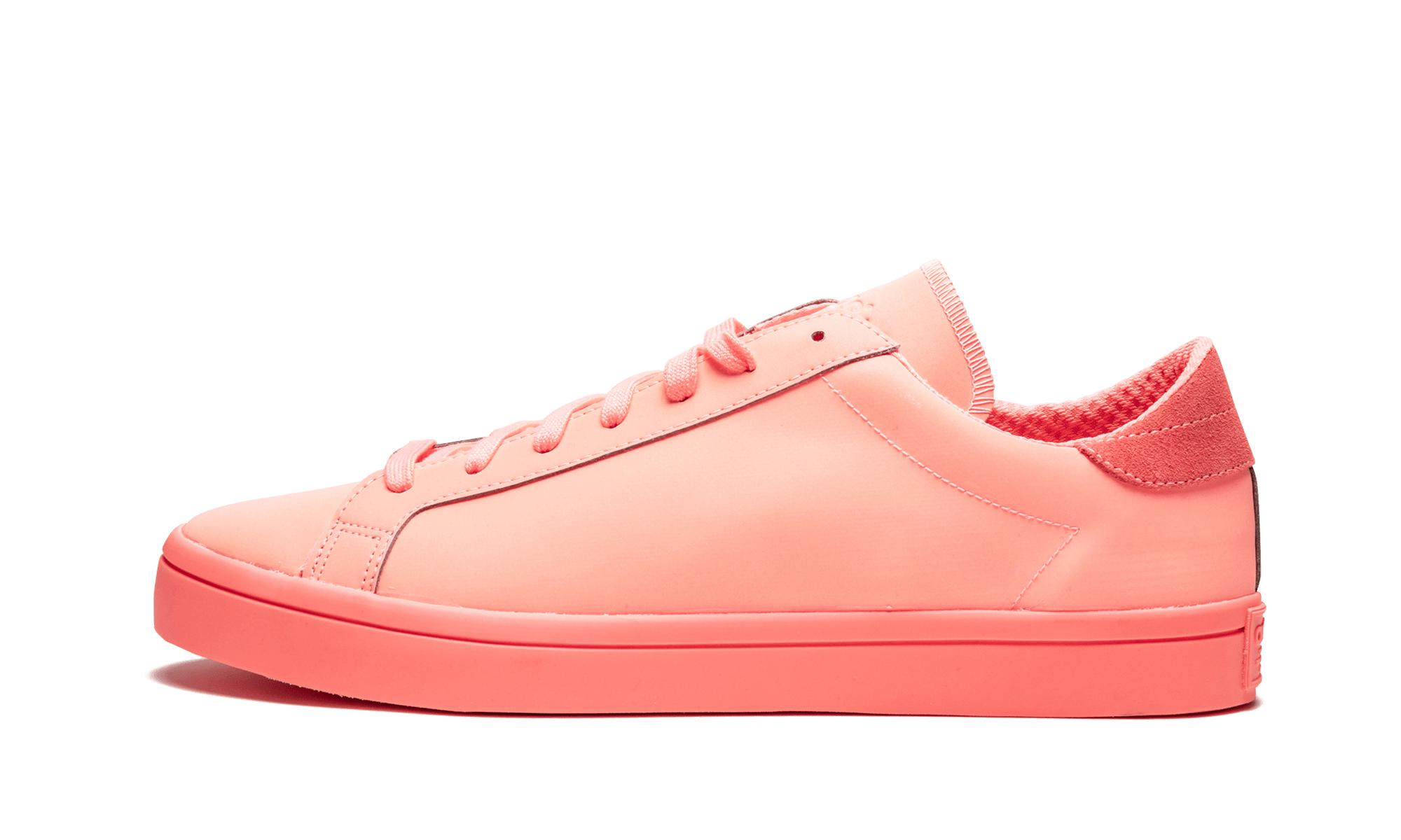 innovative design 850b1 10bf8 adidas. Mens Pink Courtvantage Adicolor