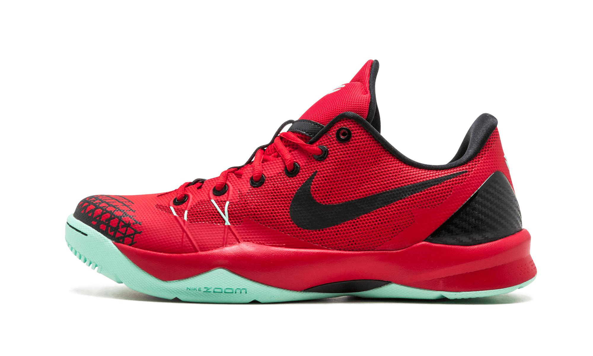 brand new e51a0 9c5f2 Red Zoom Kobe Venomenon 4  2013 Nike ...