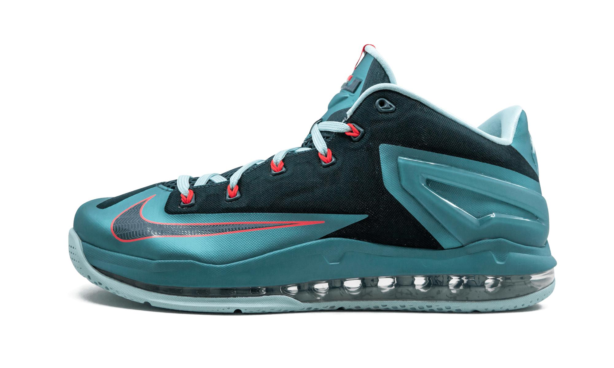 Nike Lebron 11 Low in Blue for Men - Lyst 4c1f1b62a