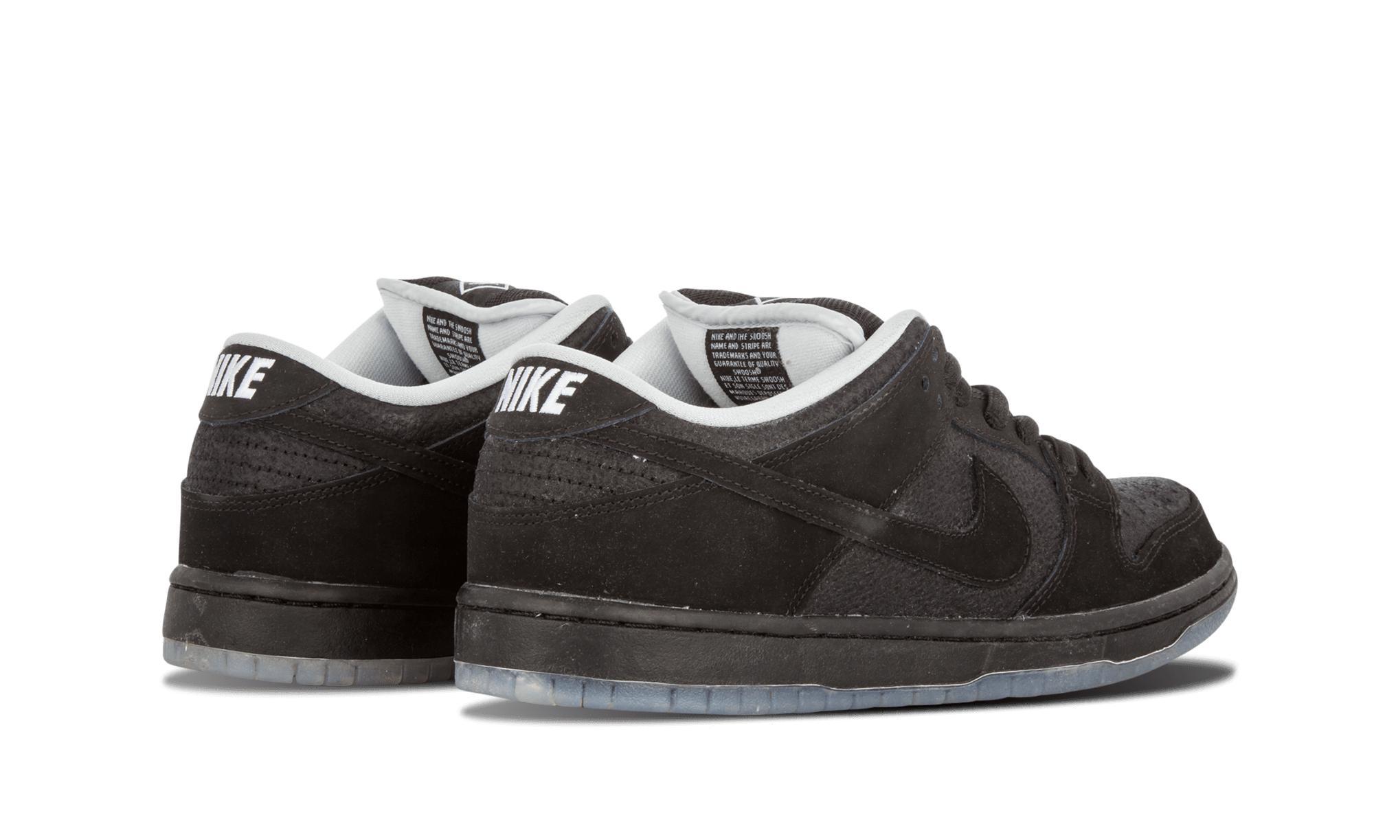 promo code 2c42c dfc48 Nike Sb X Atlas 35mm Dunk Low Premi in Black for Men - Lyst