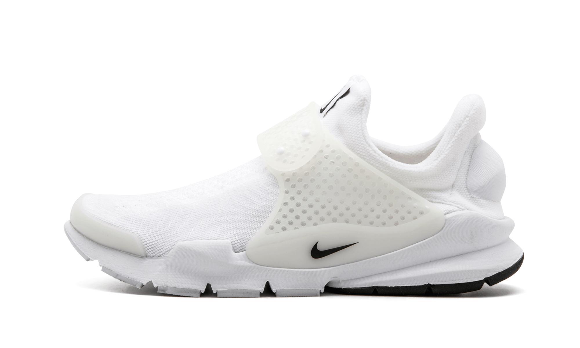 detailed look 6ba6a 5eee4 Nike. Women s White Sock Dart Sp
