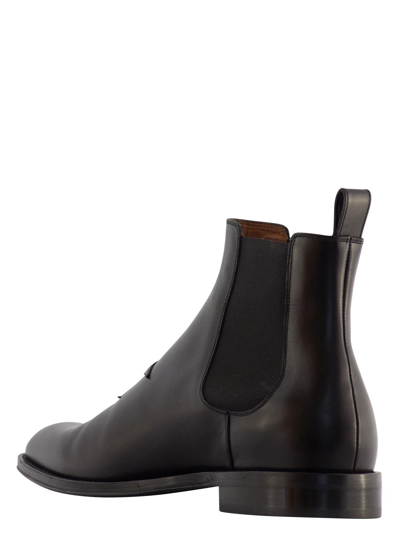 Givenchy Leather Chelsea Boots With Star Detail in Black ...