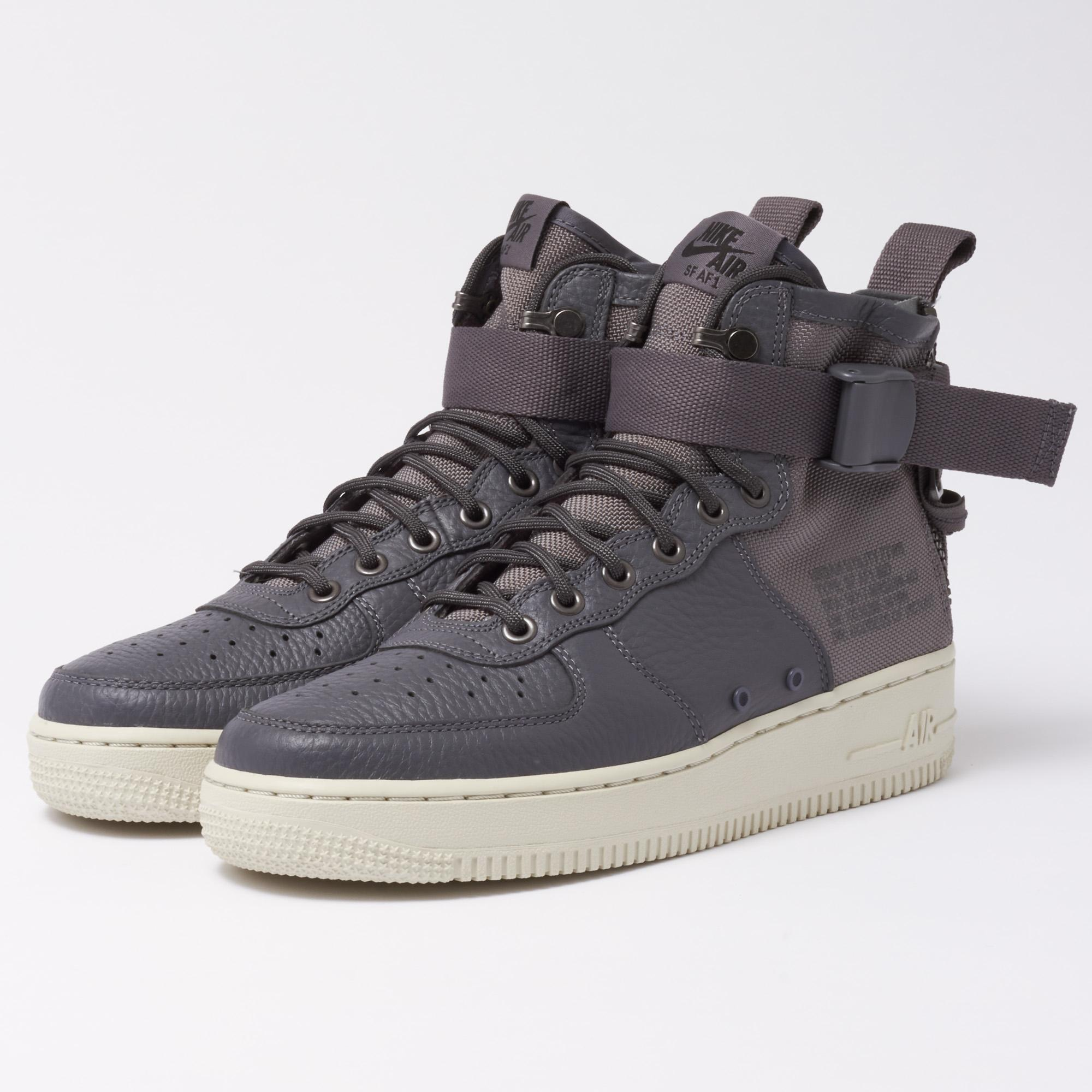 cheap for discount 8b520 d2558 Gallery. Previously sold at  Stuarts London · Men s Nike Air Force