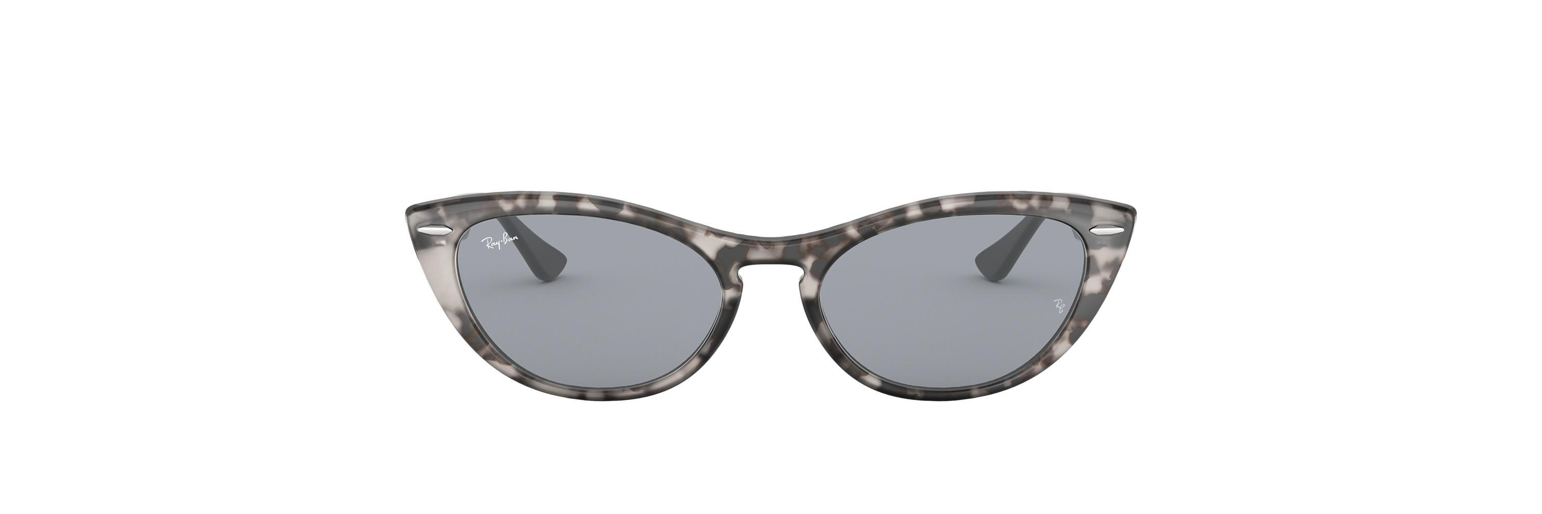 cf92d8b8604 Gallery. Previously sold at  Sunglass Hut · Women s Ray Ban ...