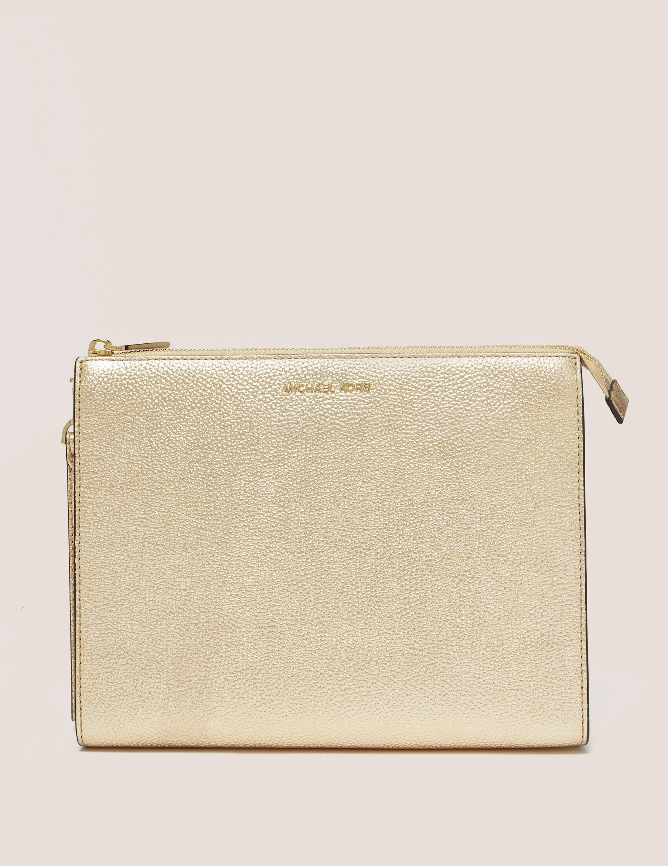 07b695079414 Michael Kors Womens Mercer Large Pouch Bag Gold in Metallic - Lyst