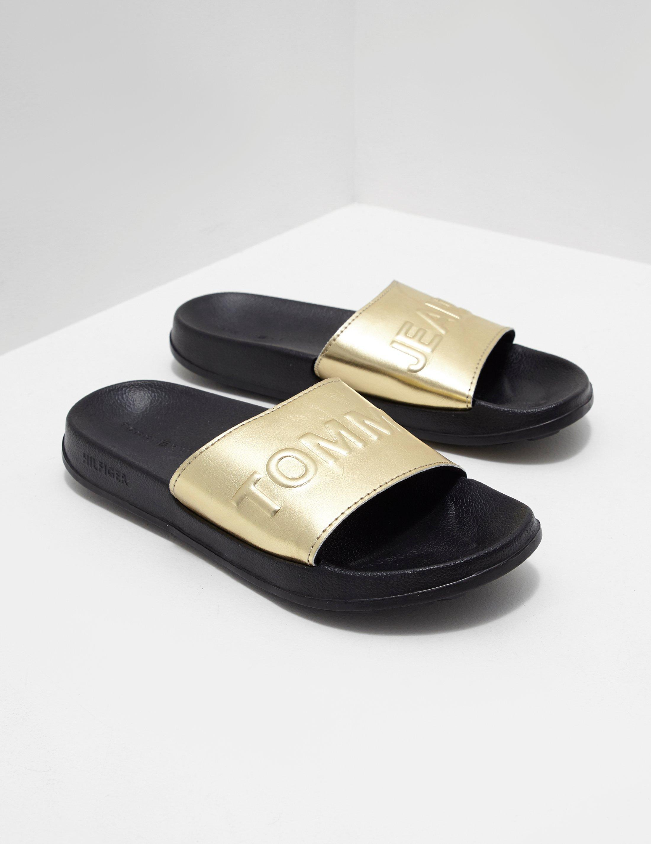 5653354811e2 Lyst - Tommy Hilfiger Womens Metallic Pool Slides Gold in Metallic