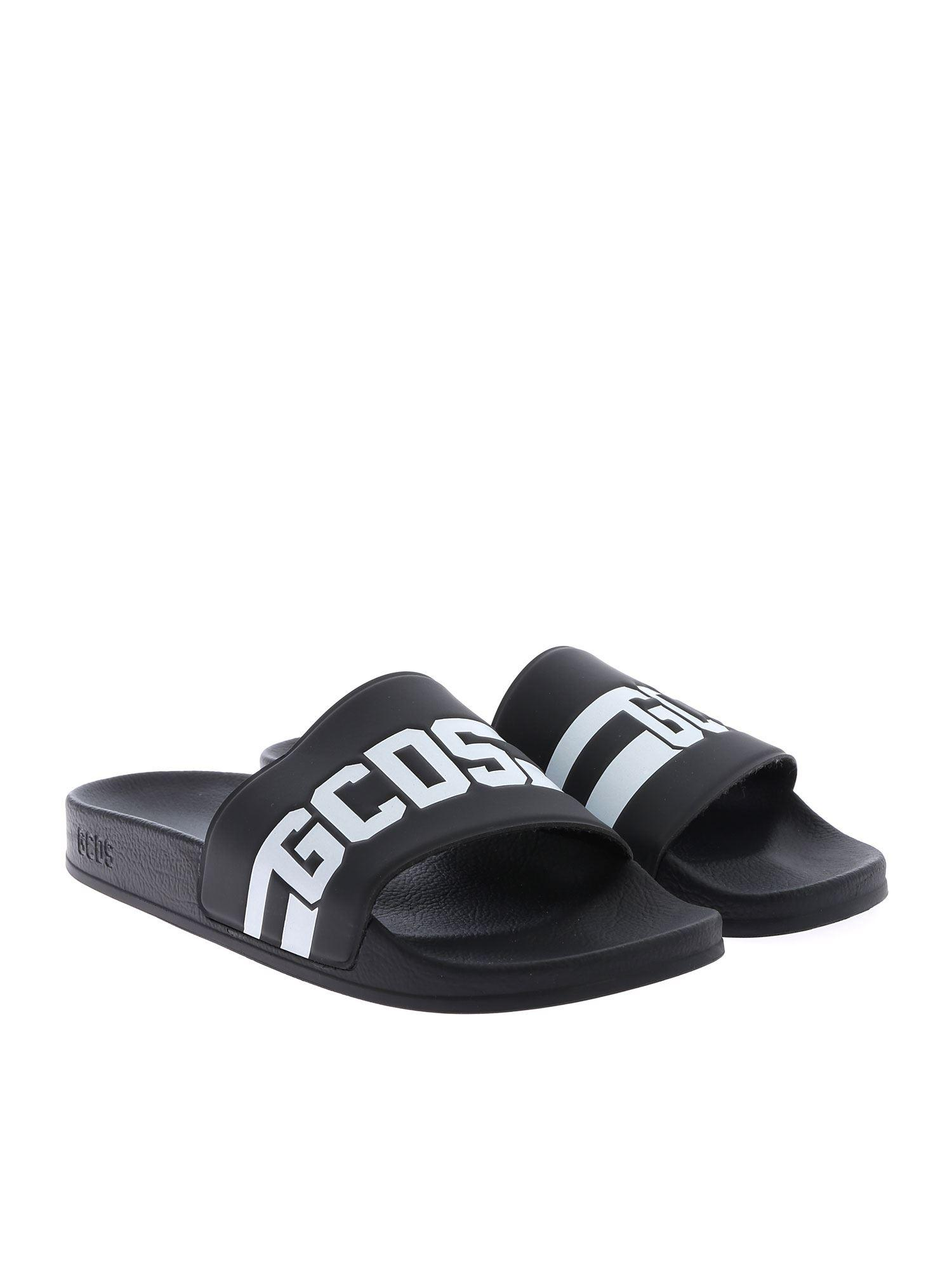 e46ab1711e08 Gcds Logo Embossed Rubber Slide Sandals in Black for Men - Save 51% - Lyst