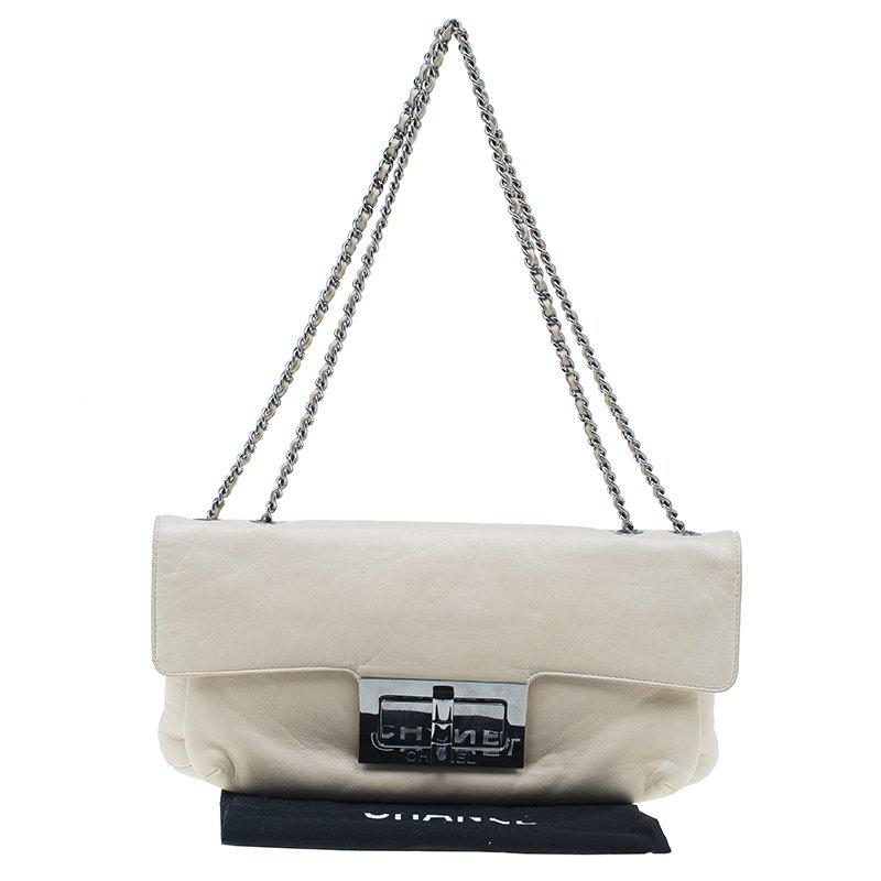 eec5a774a5 Lyst - Chanel Leather Duchess Shoulder Bag in Natural