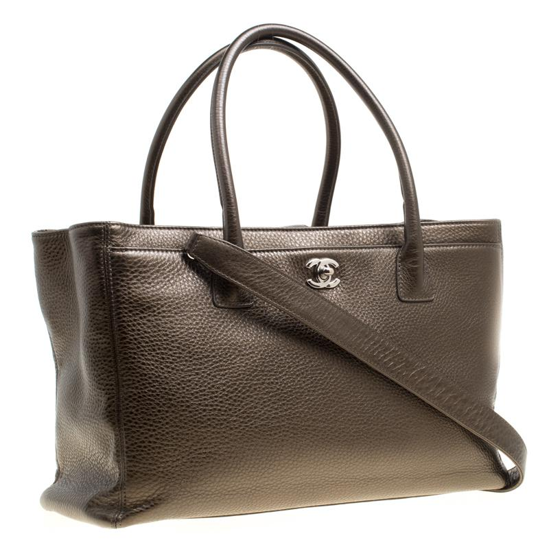 da401c9696f9 Chanel - Brown Khaki Leather Large Cerf Executive Tote - Lyst. View  fullscreen